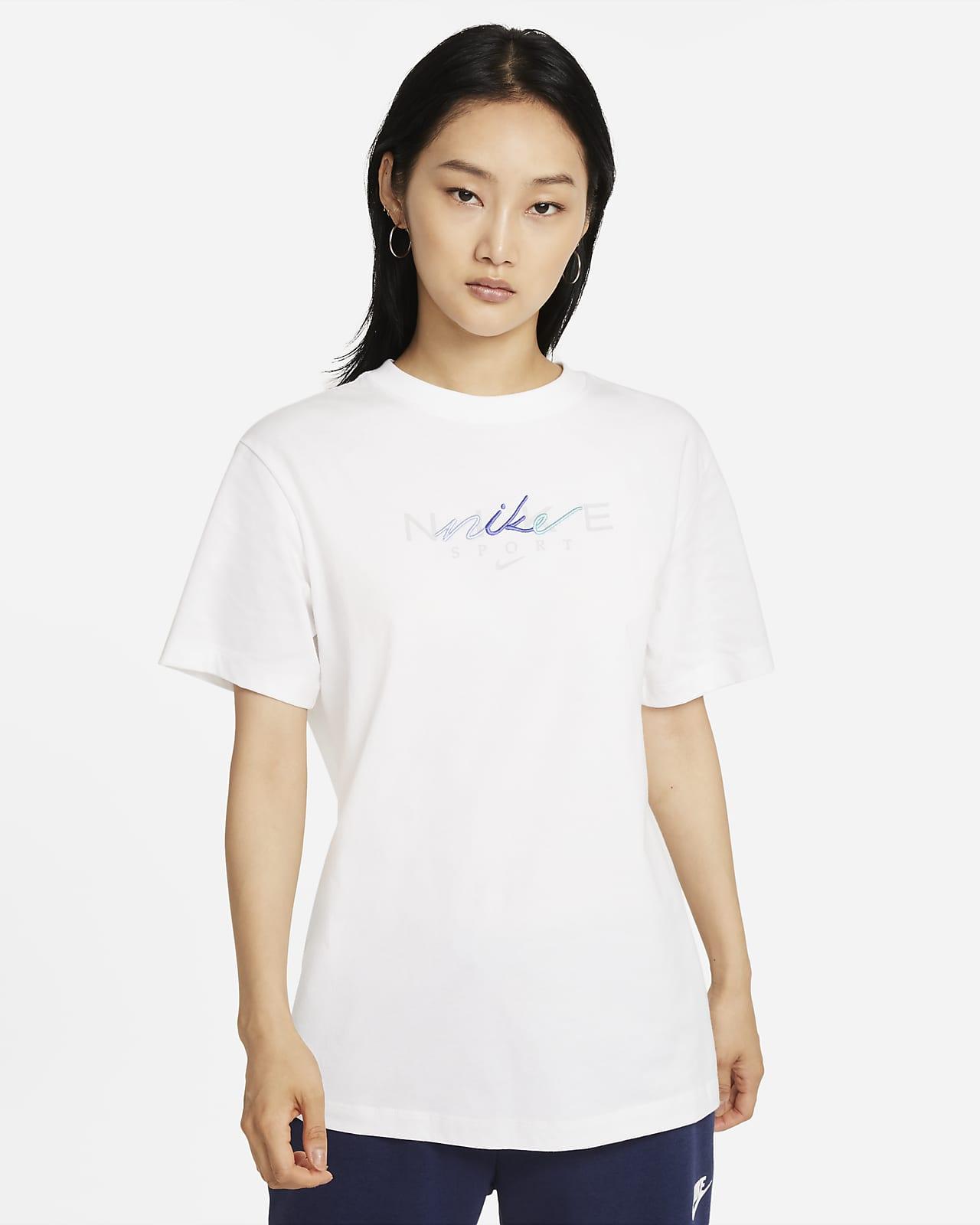 Nike Sportswear 女款男友版 T 恤