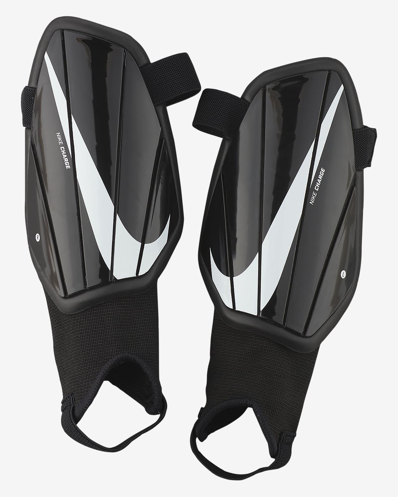 Protección para pierna de fútbol para niños Nike Charge