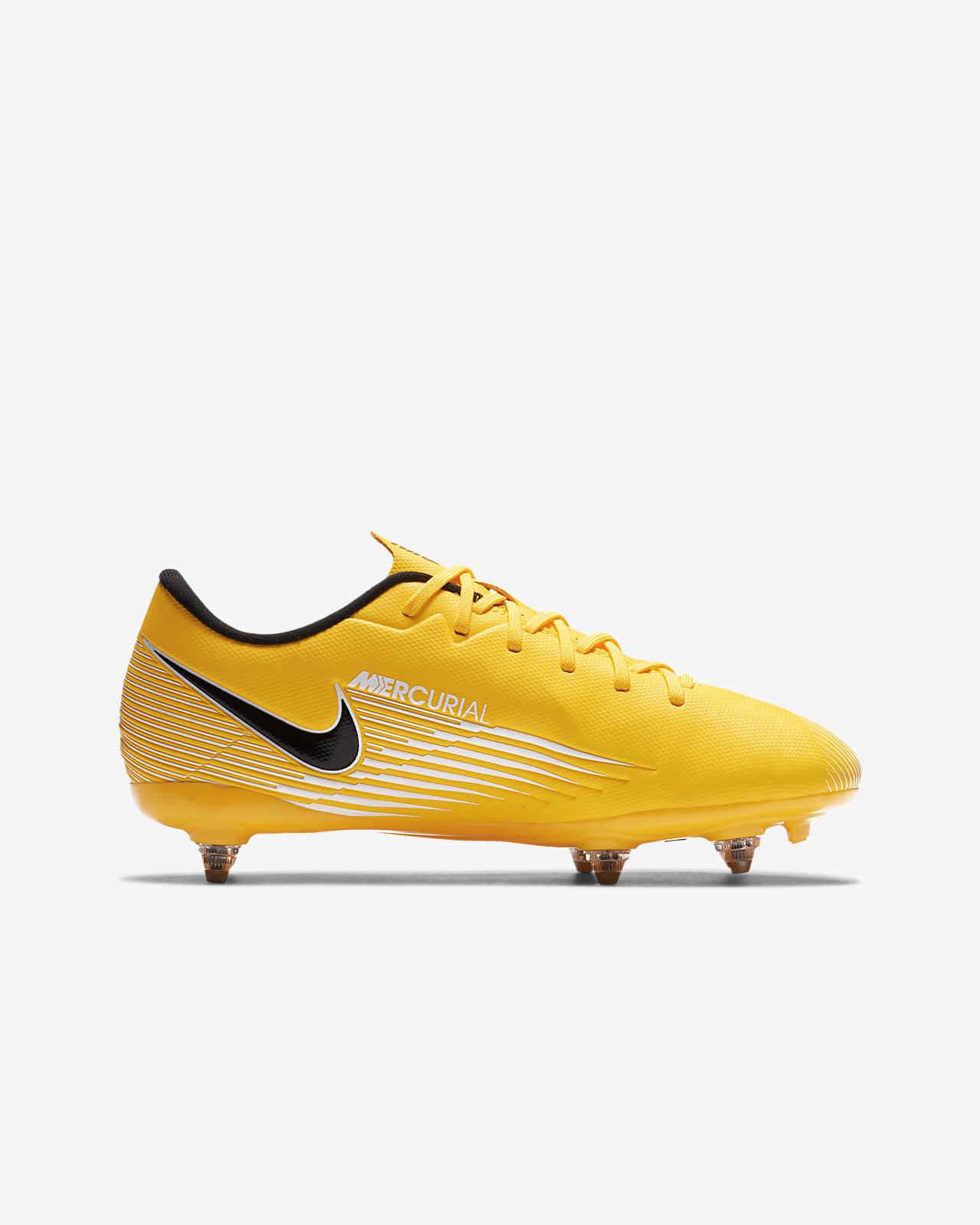 chaussures de foot pour enfant nike