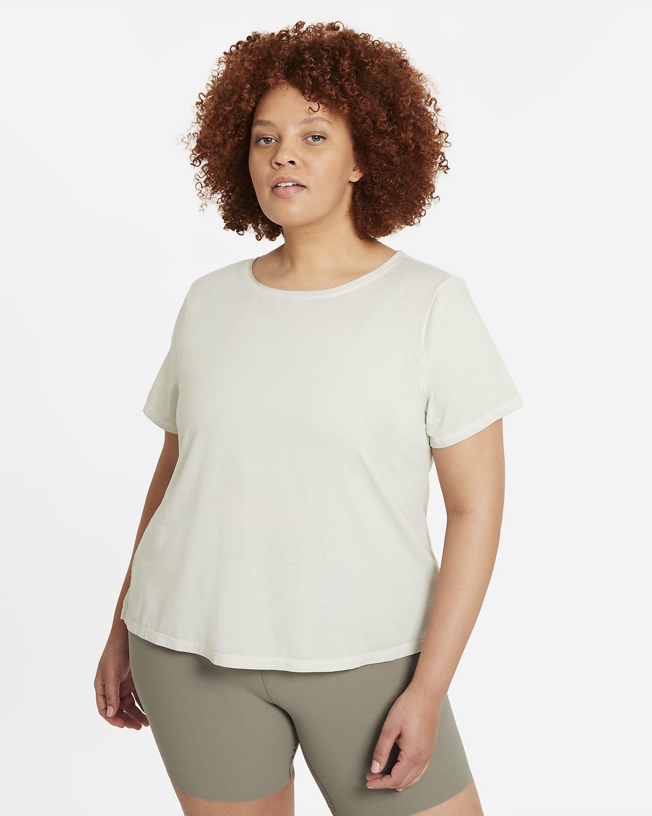 Camiseta de manga corta para mujer talla grande Nike Yoga Dri-FIT