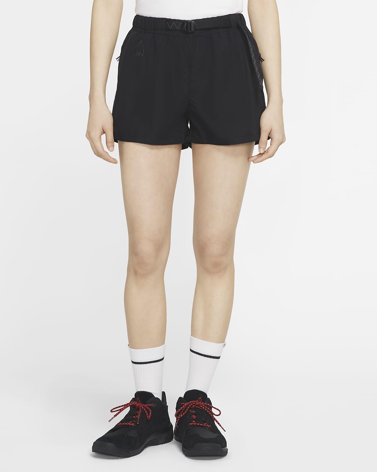 กางเกงขาสั้นผู้หญิงแบบทอ Nike ACG
