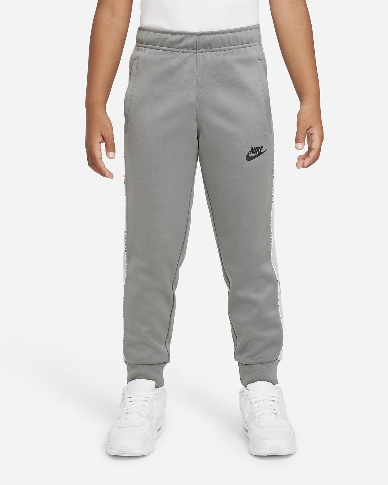 Nike Sportswear Genç Çocuk (Erkek) Jogger'ı