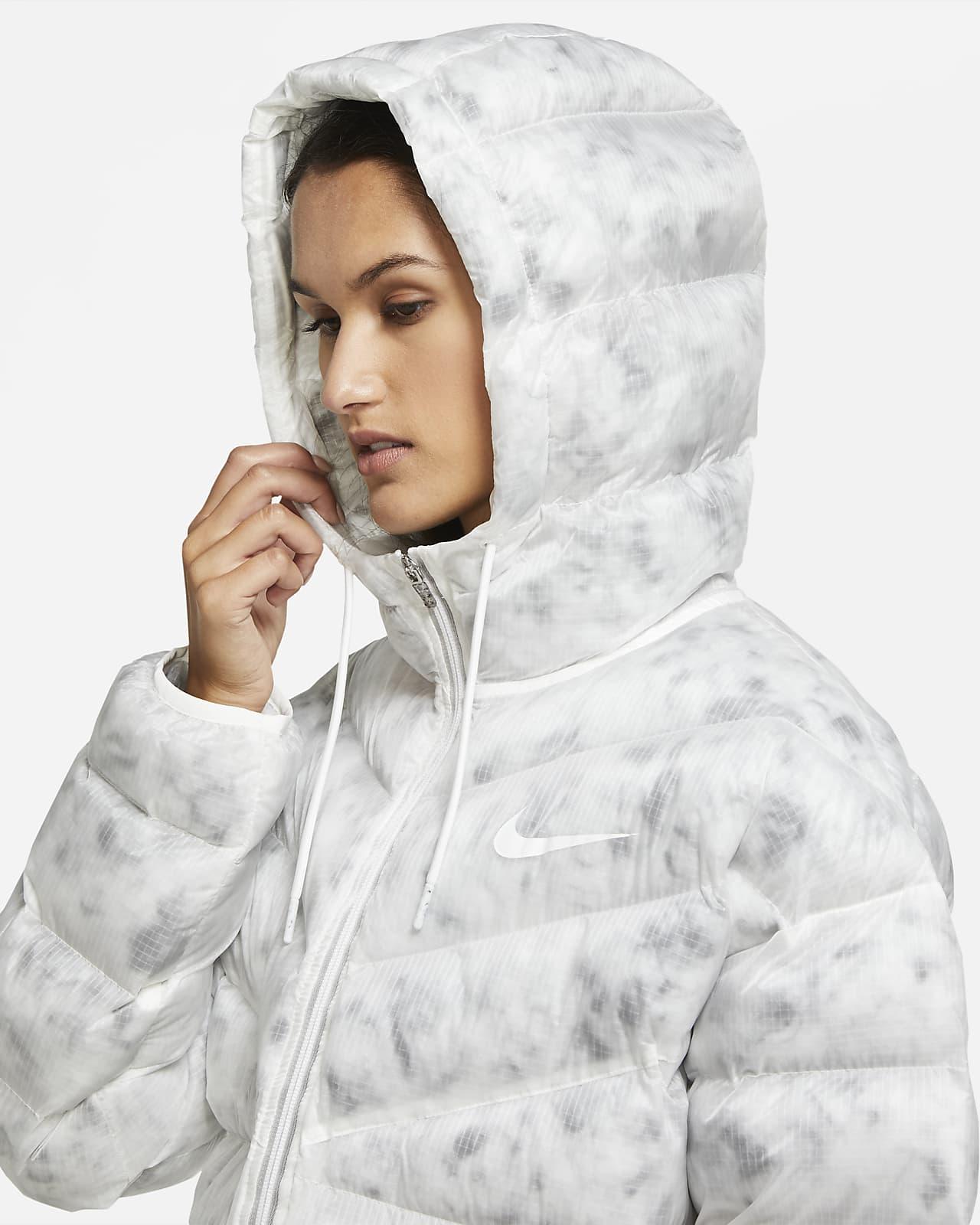 Nike Sportswear parkas med syntetisk fyll til dame. Nike NO