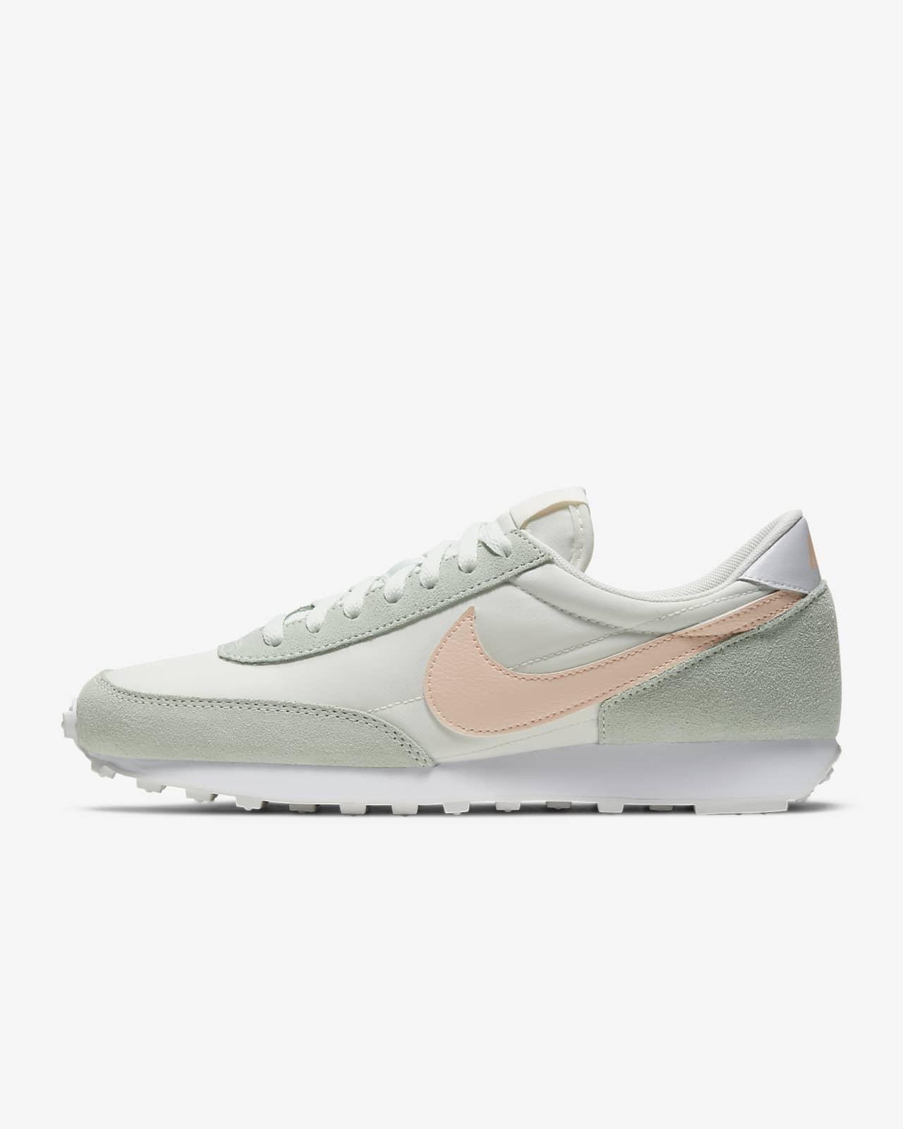 Женские кроссовки Nike Daybreak