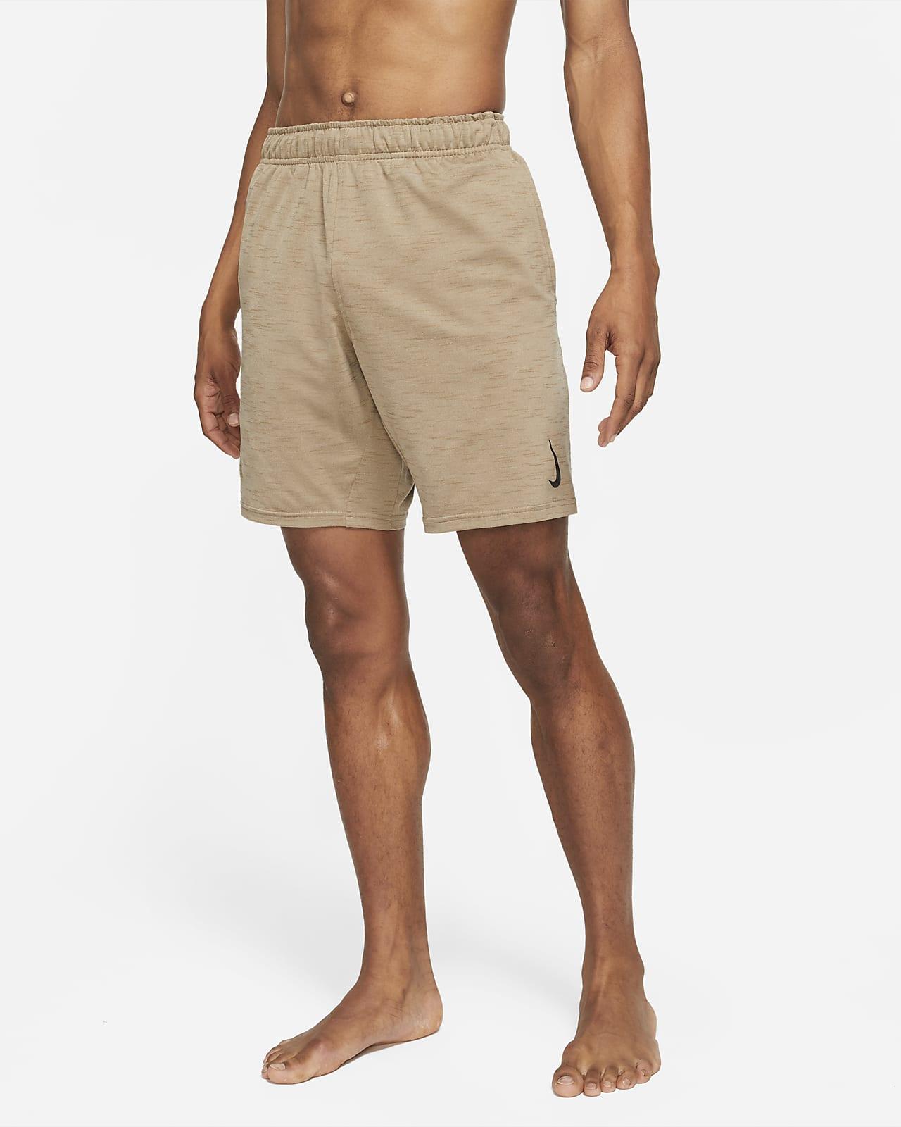 Short Nike Yoga Dri-FIT pour Homme