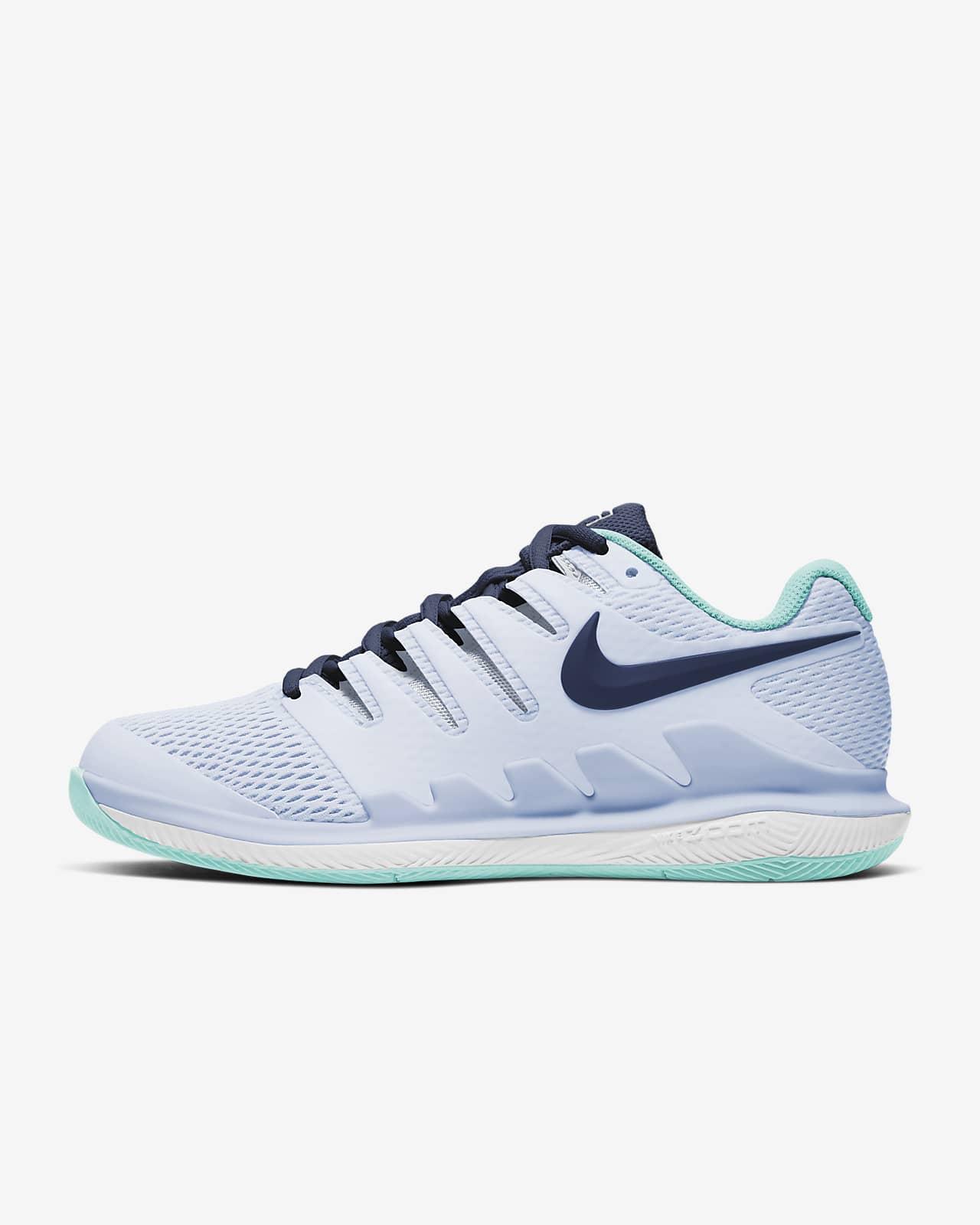 Hard Court Tennis Shoe. Nike LU