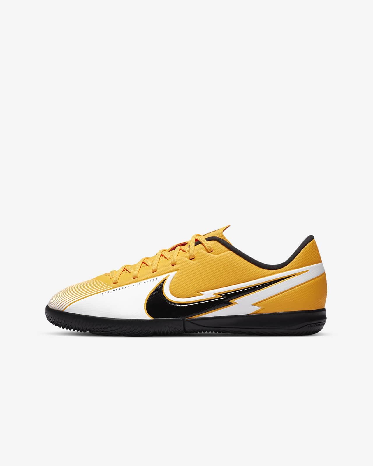megérkezik nagy fejleszt chaussures foot nike jaune enfant ...