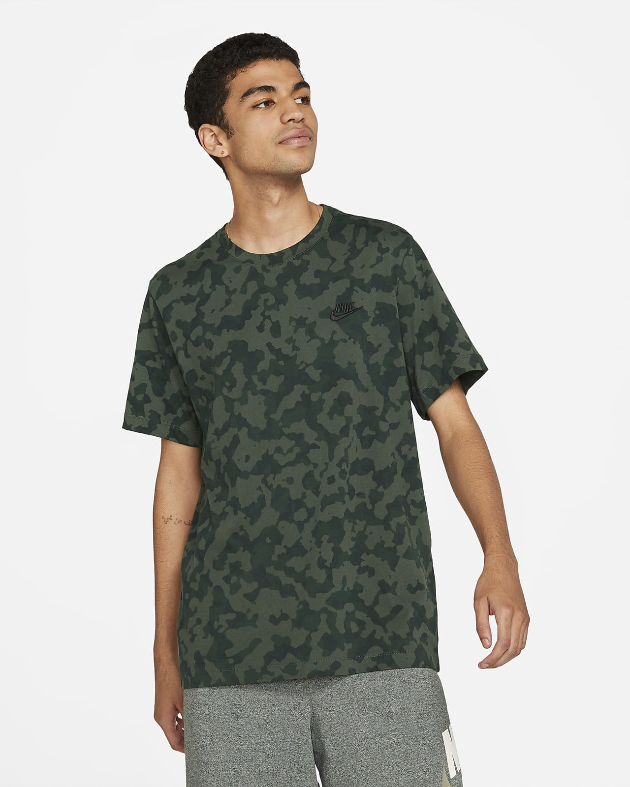 Nike Sportswear Men's Club T-Shirt