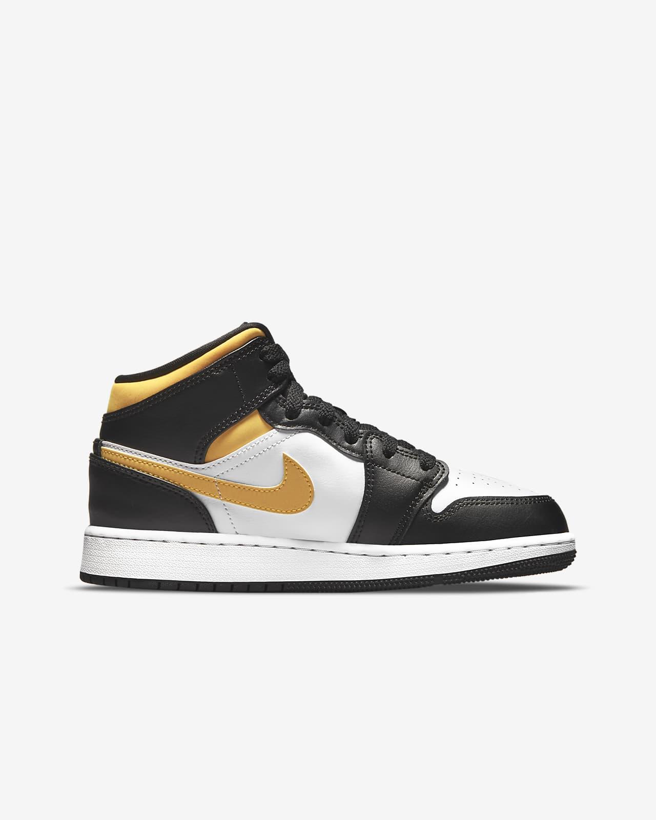 Air Jordan 1 Mid Big Kids' Shoes