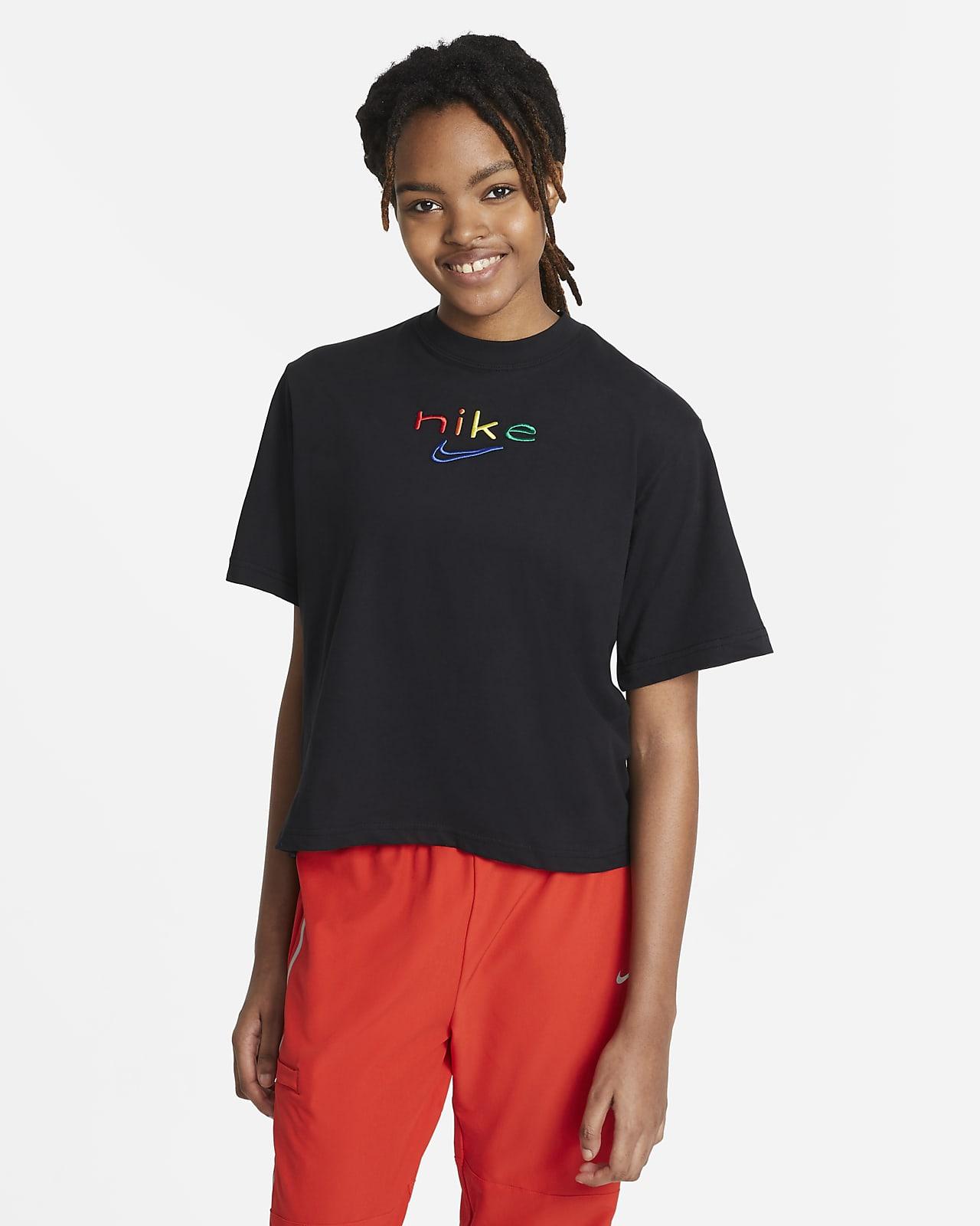 Nike Dri-FIT Women's Boxy Rainbow Training T-Shirt