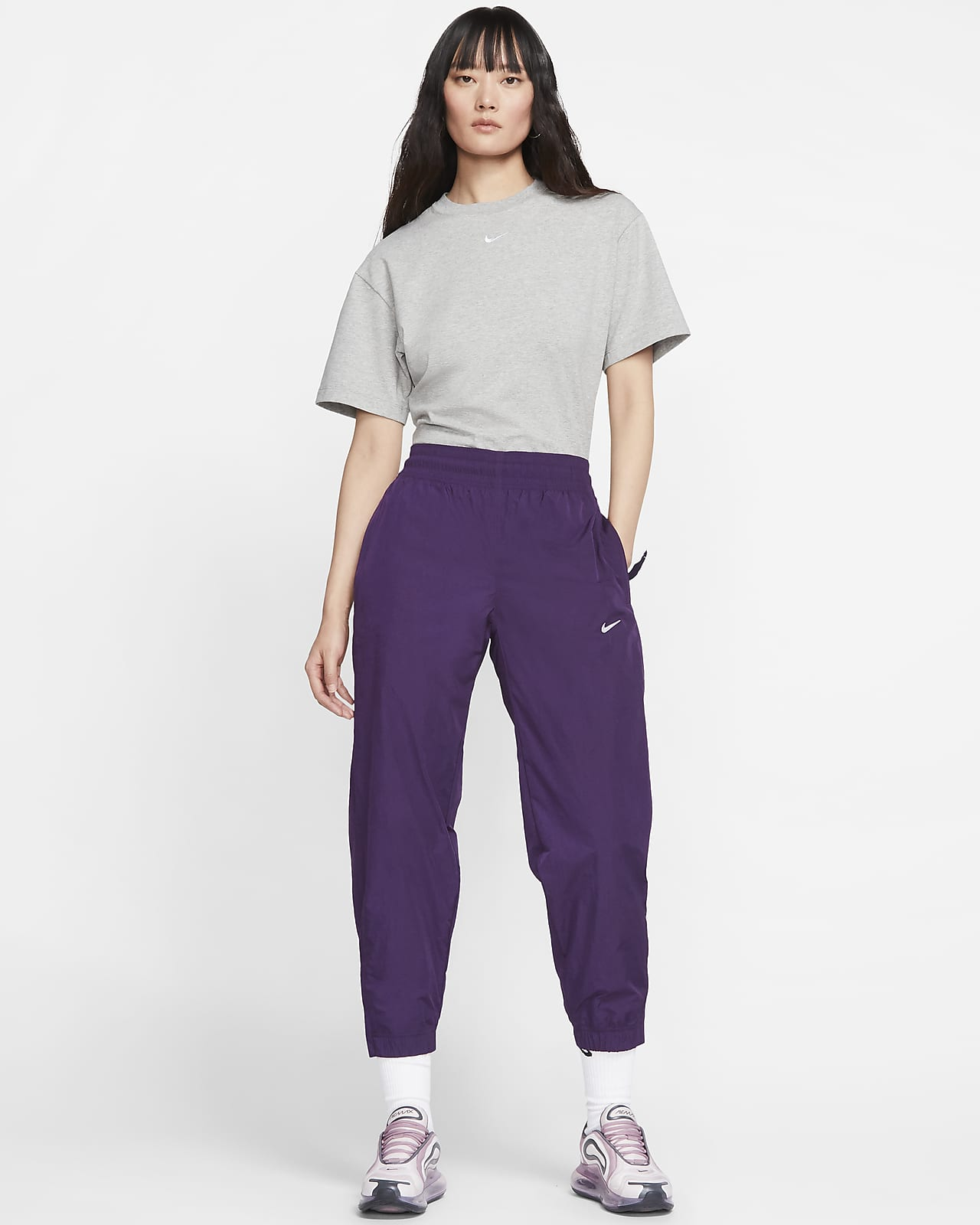 Nike Sportswear Essential dametopp. Nike NO