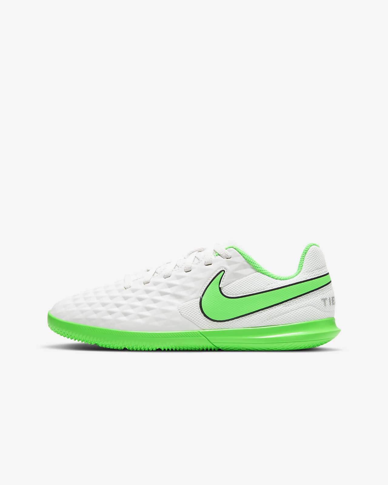 Nike Jr. Tiempo Legend 8 Club IC Little/Big Kids' Indoor/Court Soccer Shoe