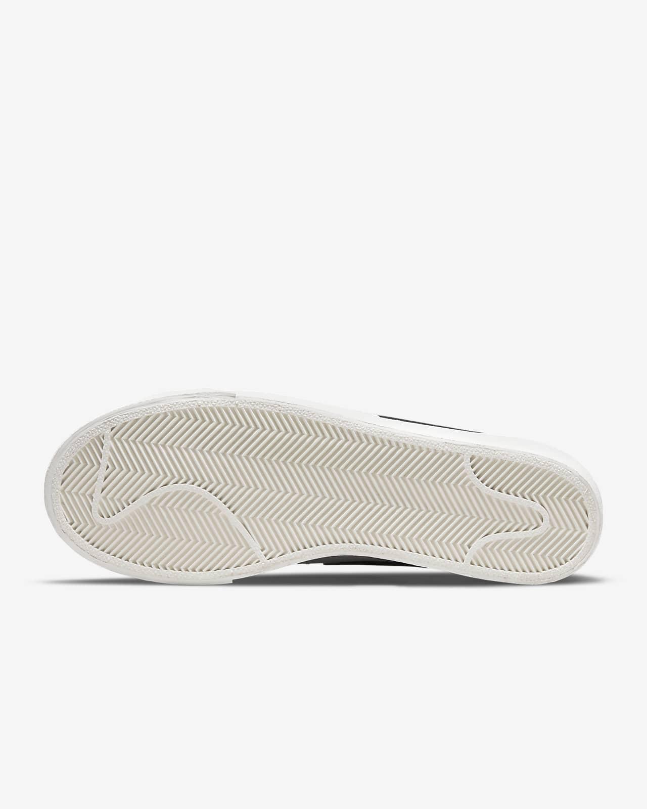 Chaussures Nike Blazer Low Platform pour Femme. Nike LU