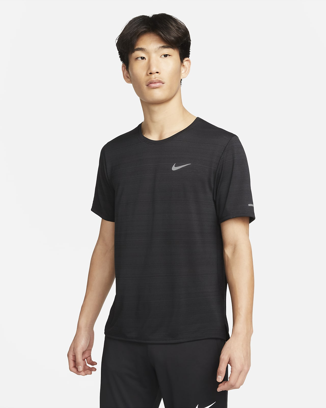 เสื้อวิ่งผู้ชาย Nike Dri-FIT Miler