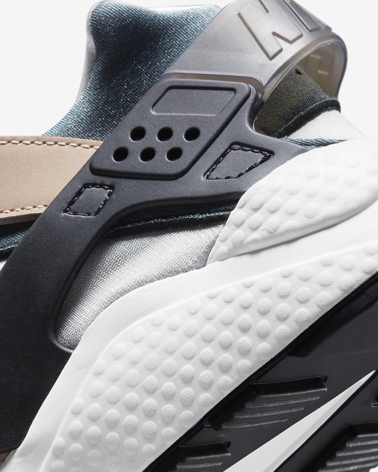 Nike Air Huarache Men's Shoe