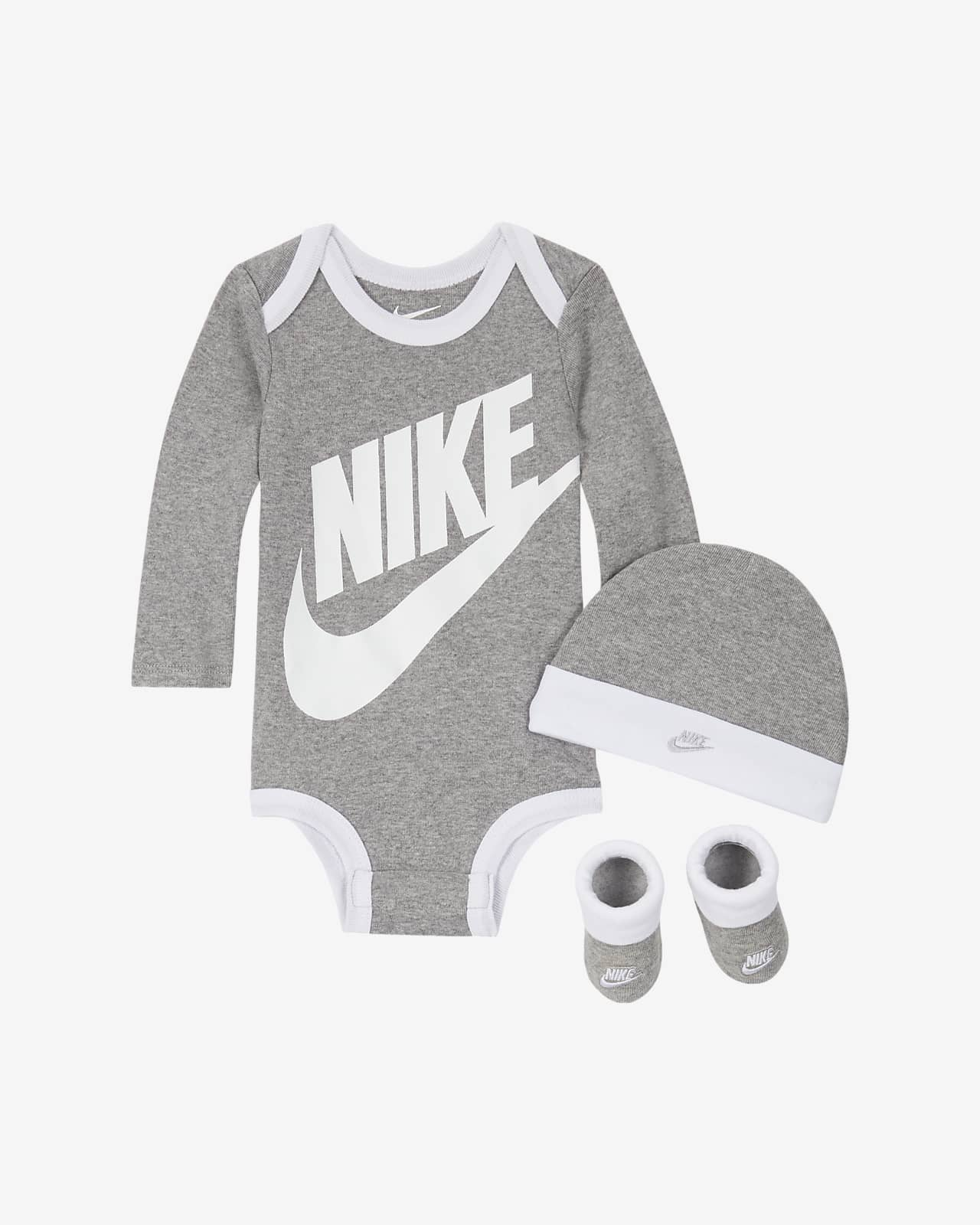 Nike háromrészes szett babáknak (0-6 hónapos)