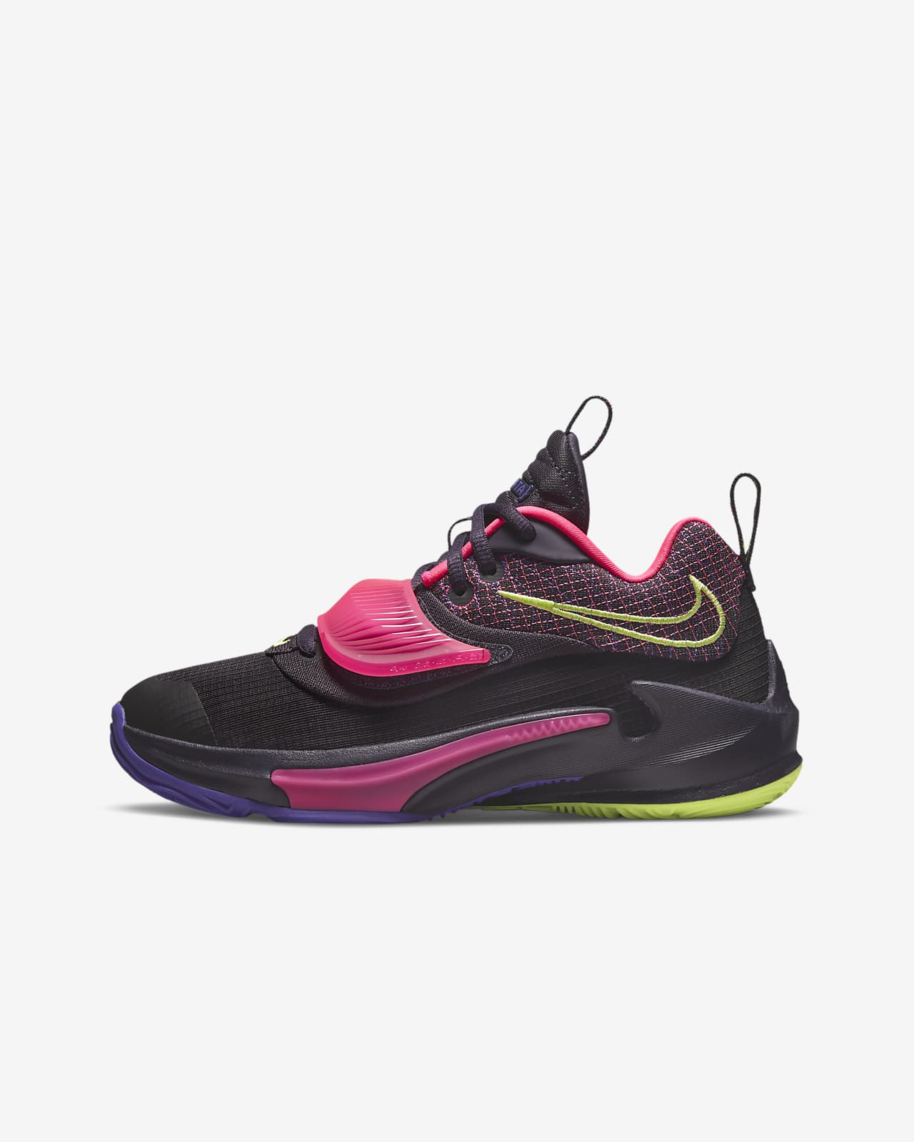 Freak 3 Big Kids' Basketball Shoes