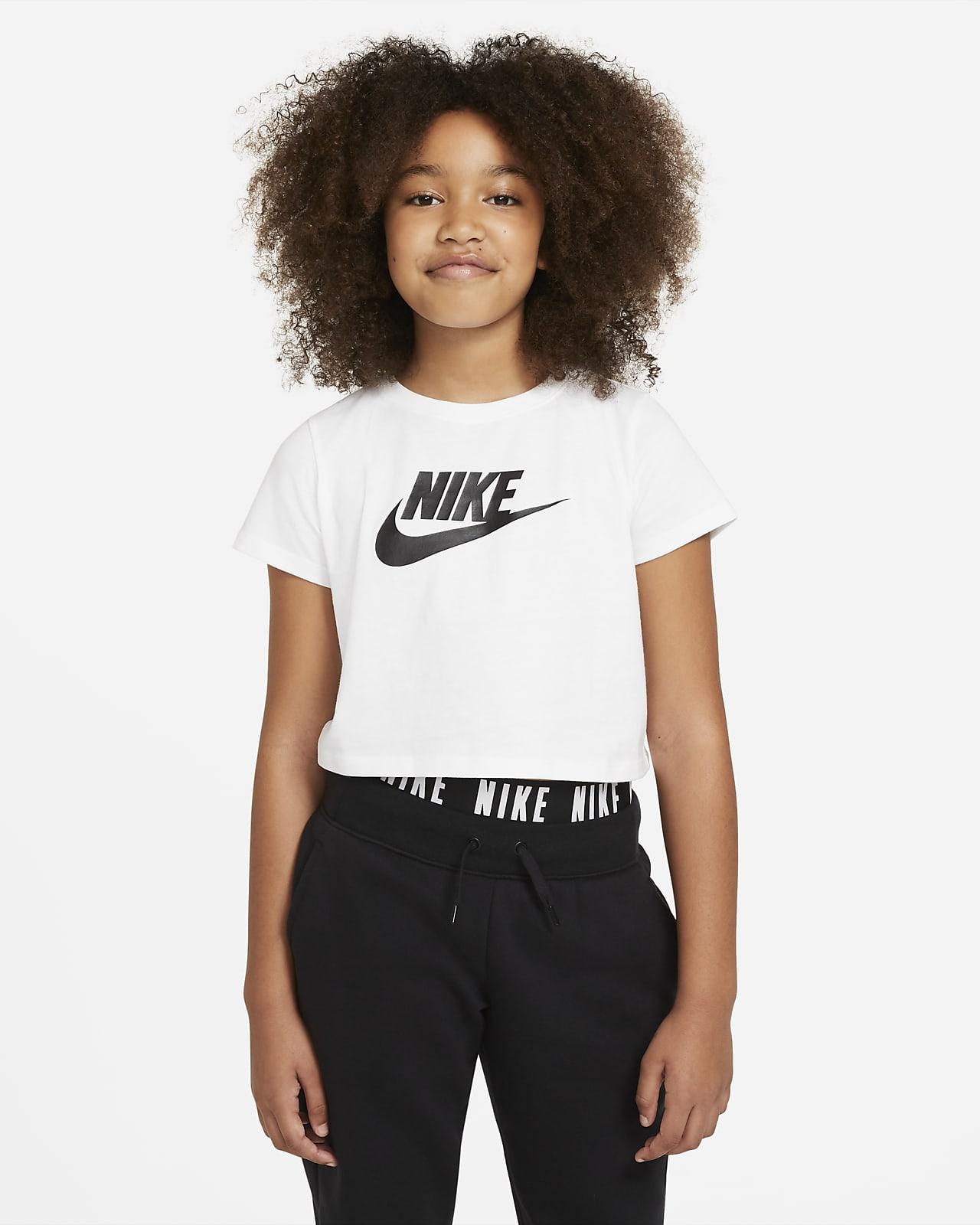 Nike Sportswear Kısaltılmış Genç Çocuk (Kız) Tişörtü