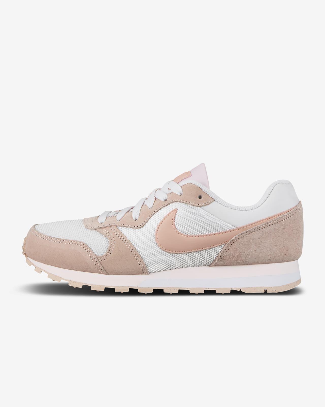 Nike MD Runner 2 Women's Shoe. Nike LU