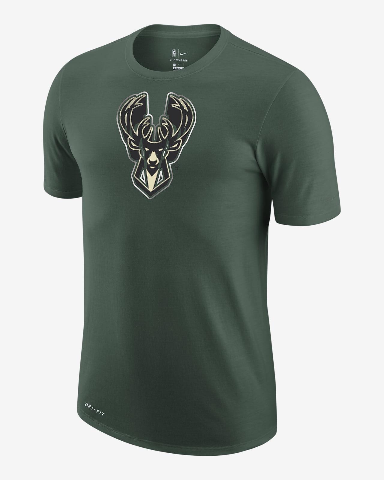 Milwaukee Bucks Earned Edition Camiseta Logo Nike Dri-FIT de la NBA - Hombre