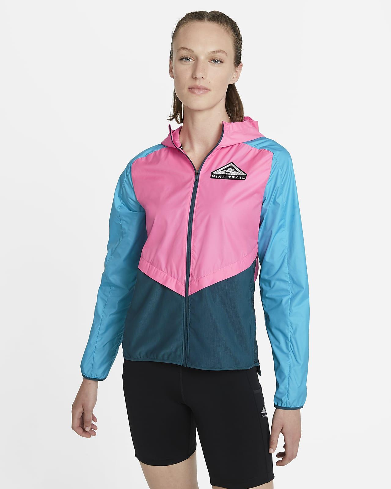 Chamarra para carreras de sendero para mujer Nike Shield