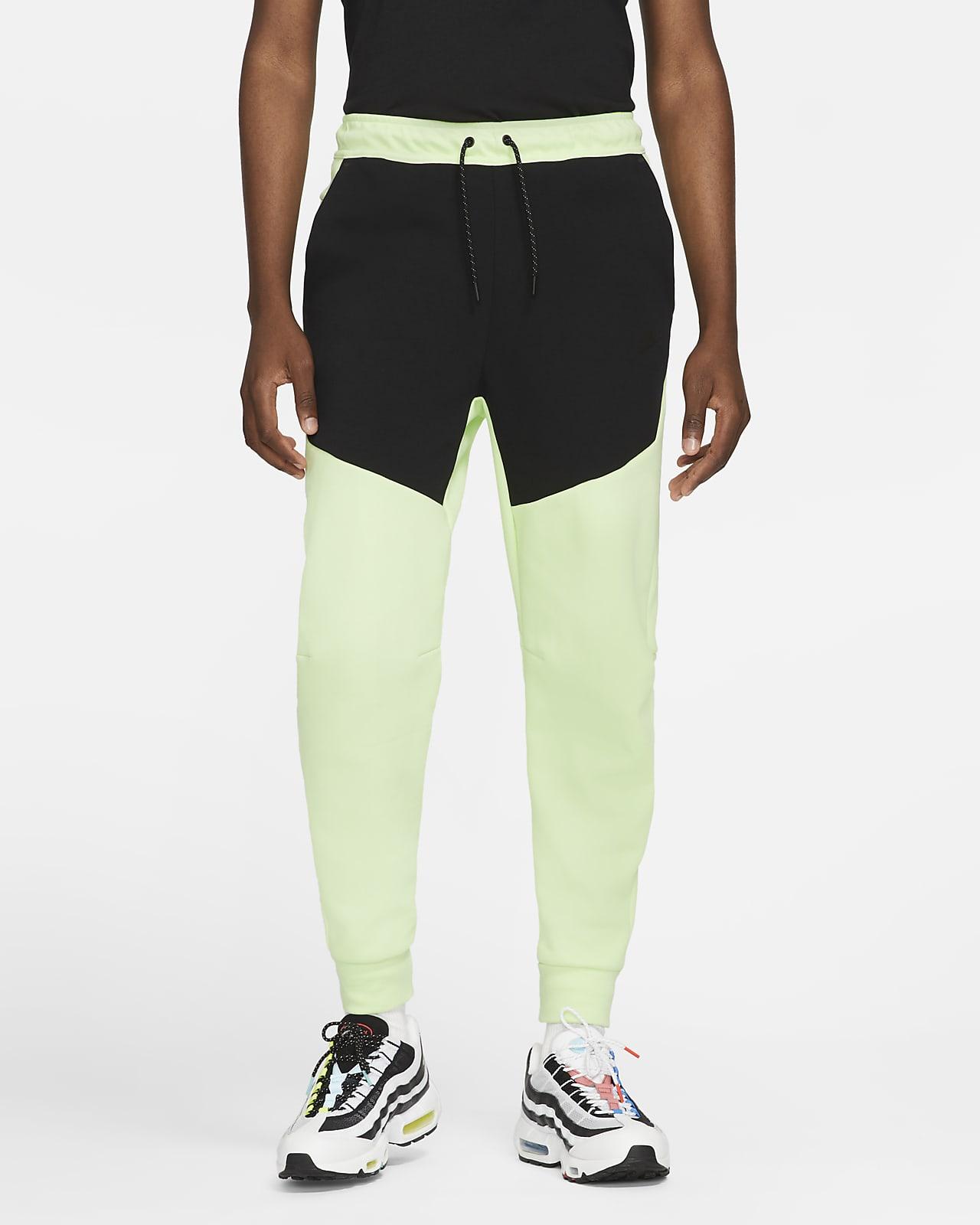Nike Sportswear Tech Fleece Erkek Jogger'ı