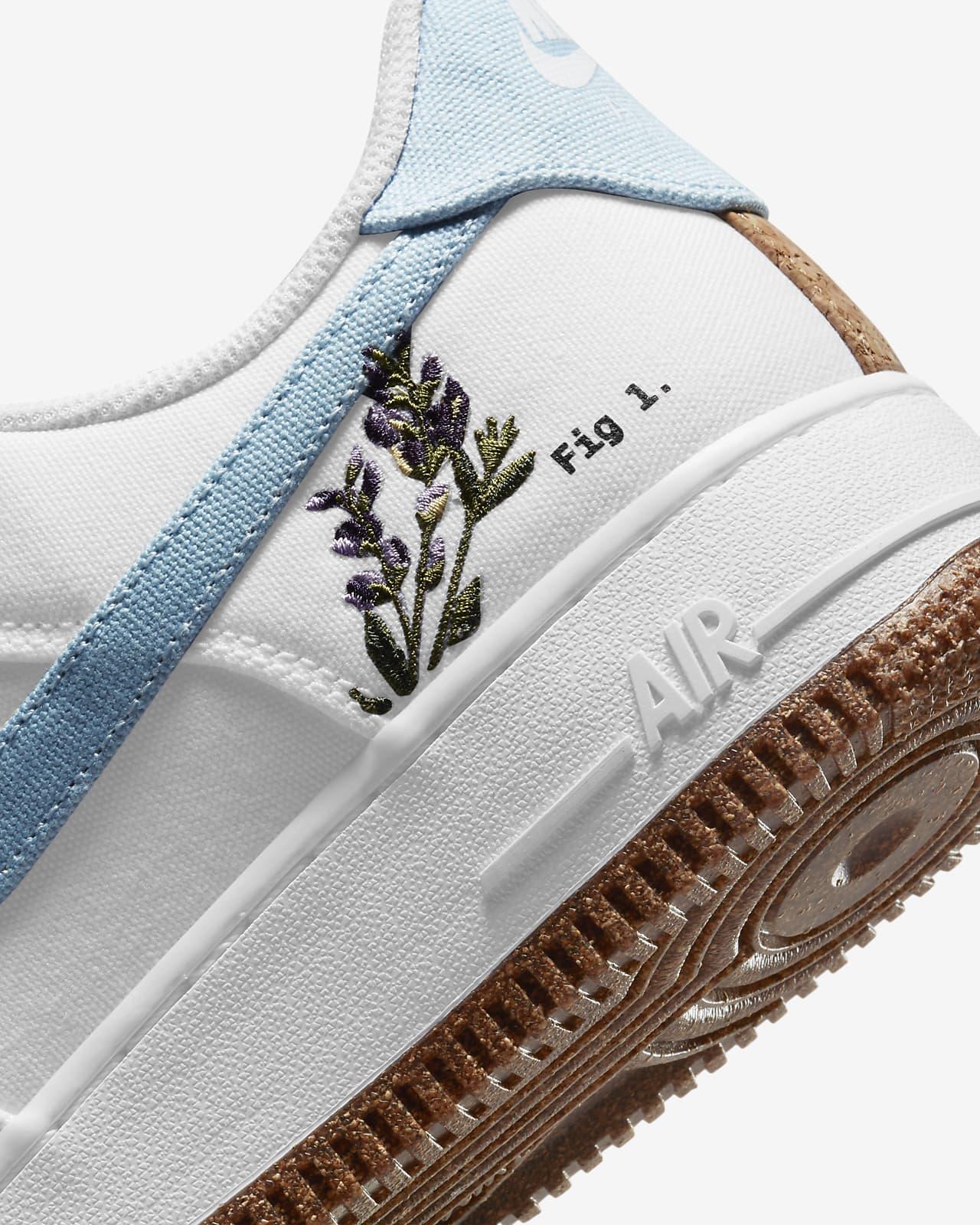 Nike Air Force 1 '07 SE Women's Shoes. Nike.com