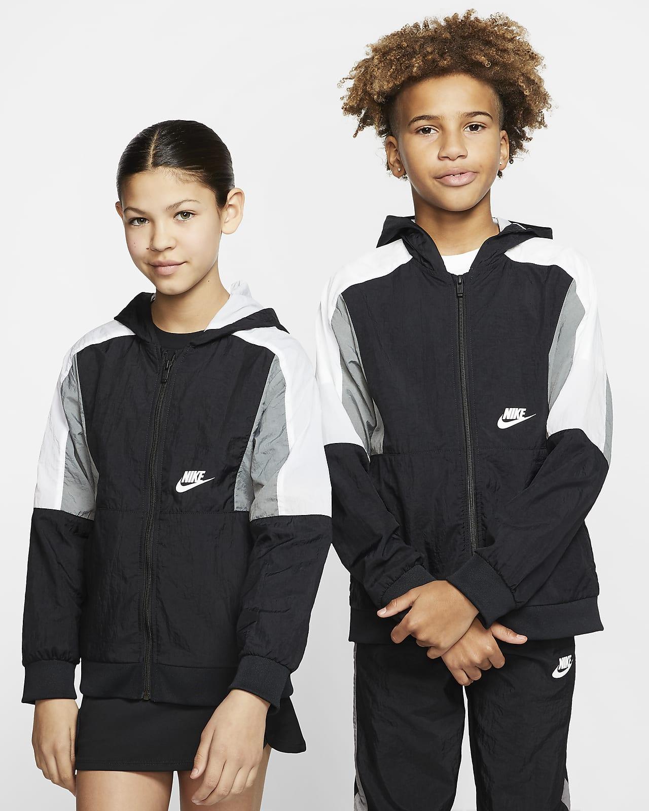 Chamarra de tejido Woven con cierre completo para niño talla grande Nike Sportswear