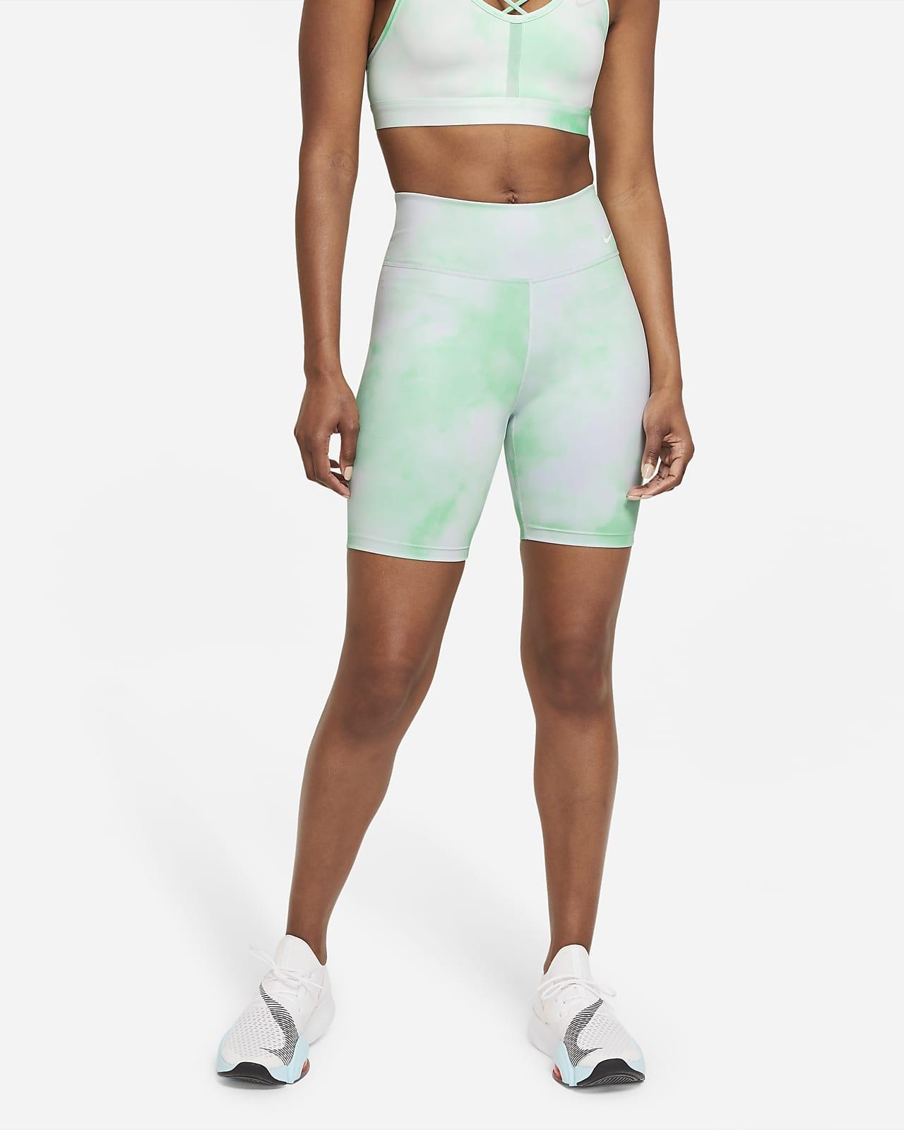 Nike One Icon Clash Damesshorts met print (18 cm)