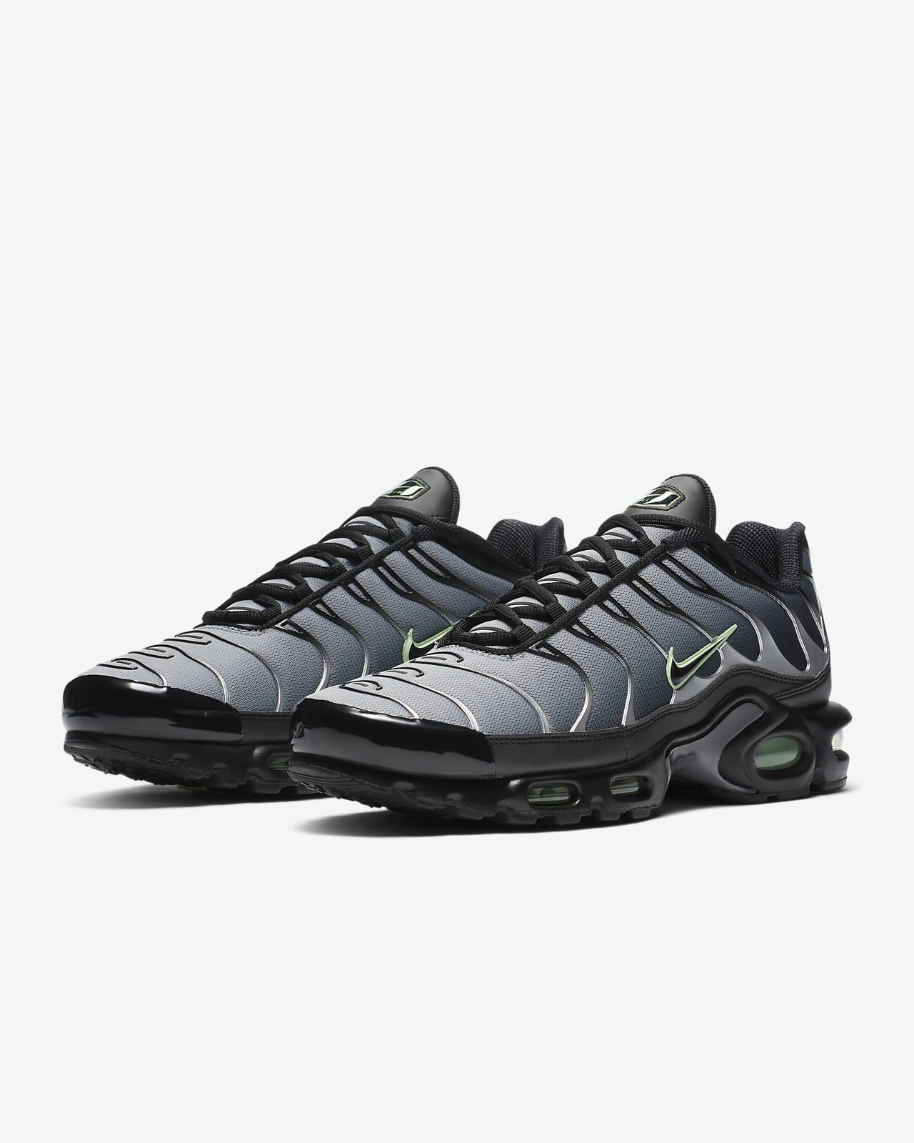 air max plus black and grey