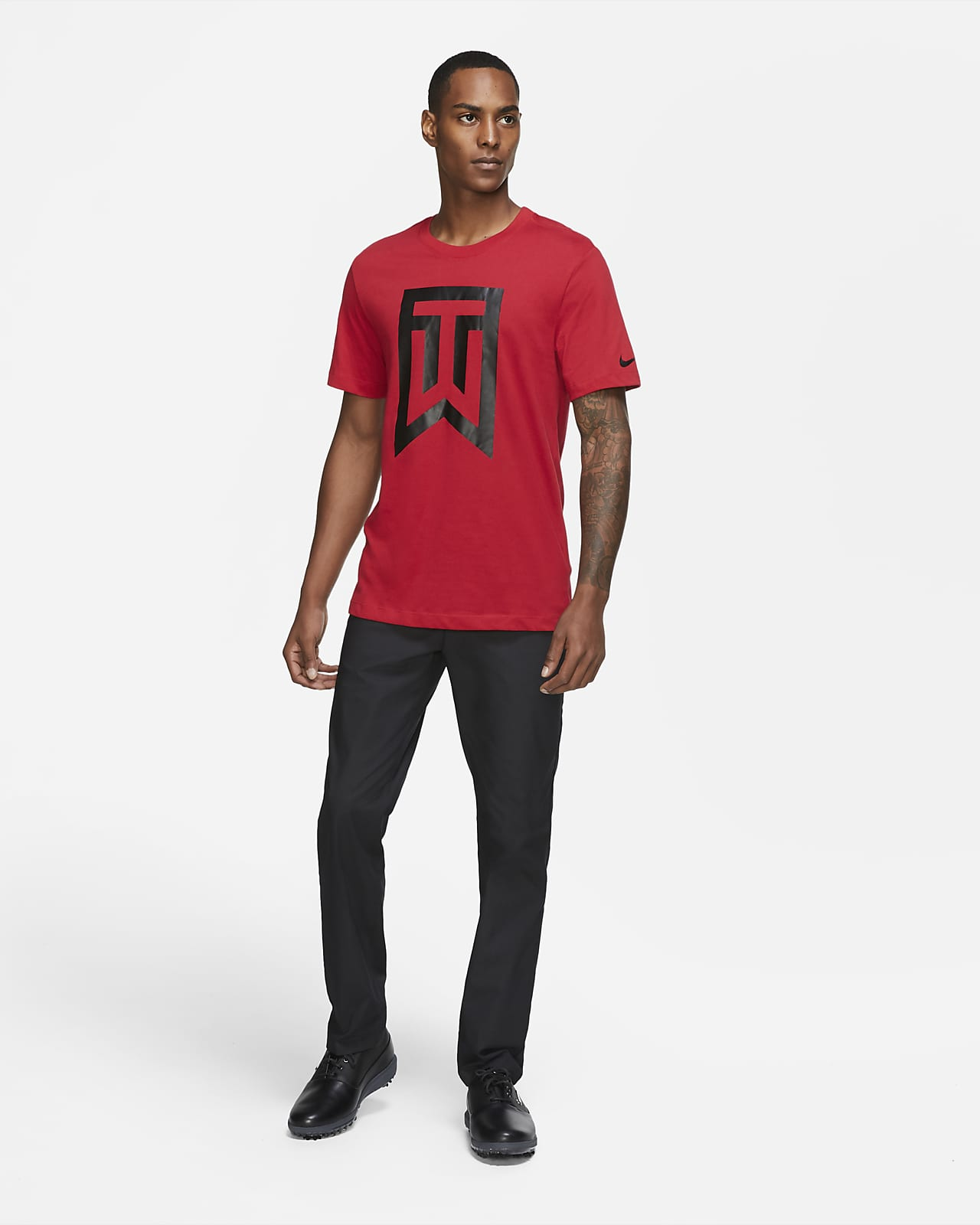 material Arena estudiante universitario  Tiger Woods Men's Logo Golf T-Shirt. Nike GB
