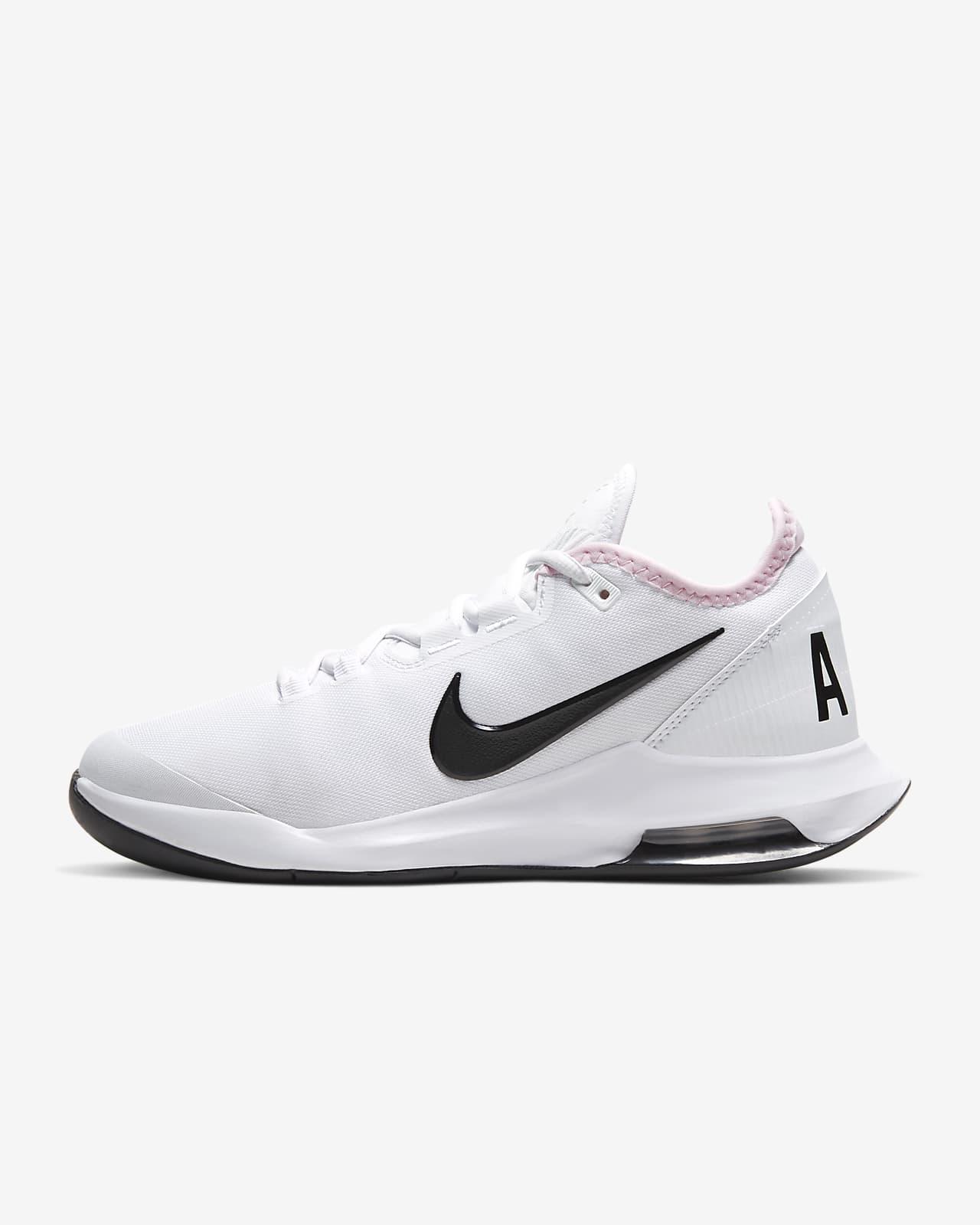 Tennis Shoe. Nike LU