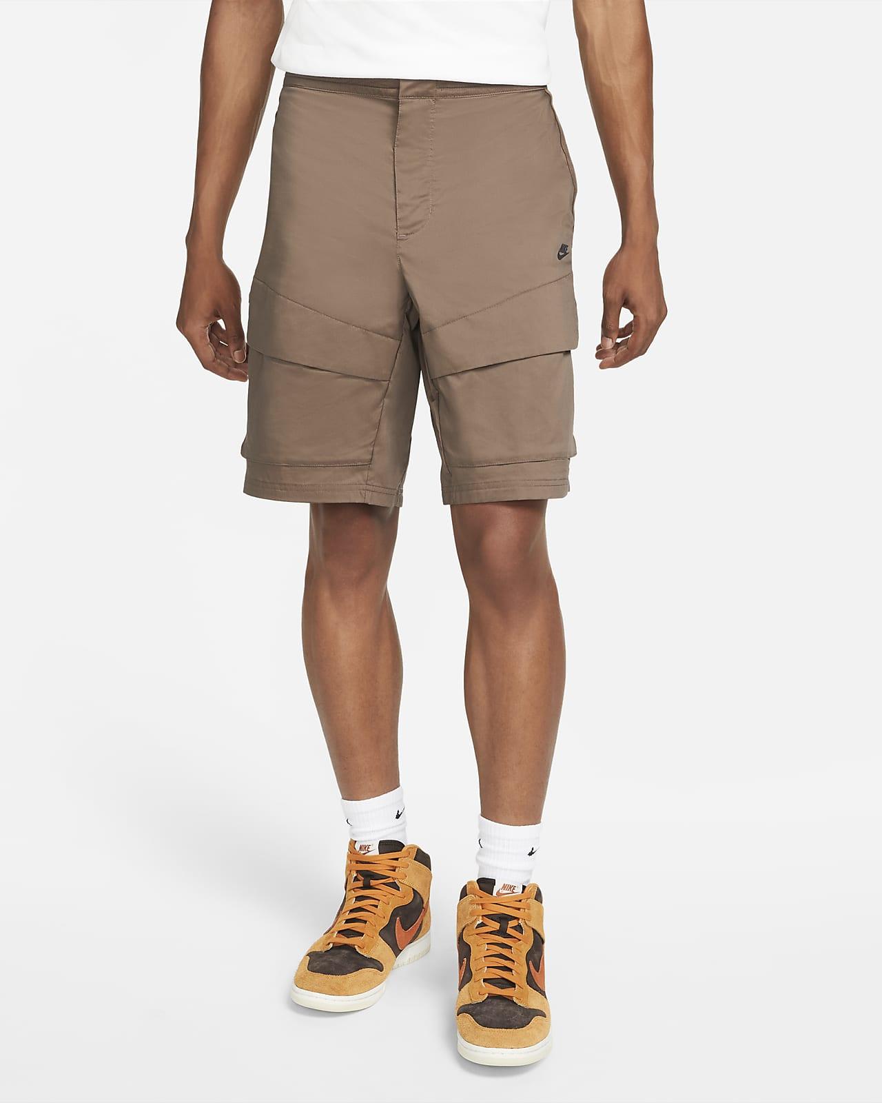 Nike Sportswear Tech Pack gewebte, ungefütterte Cargo-Shorts für Herren