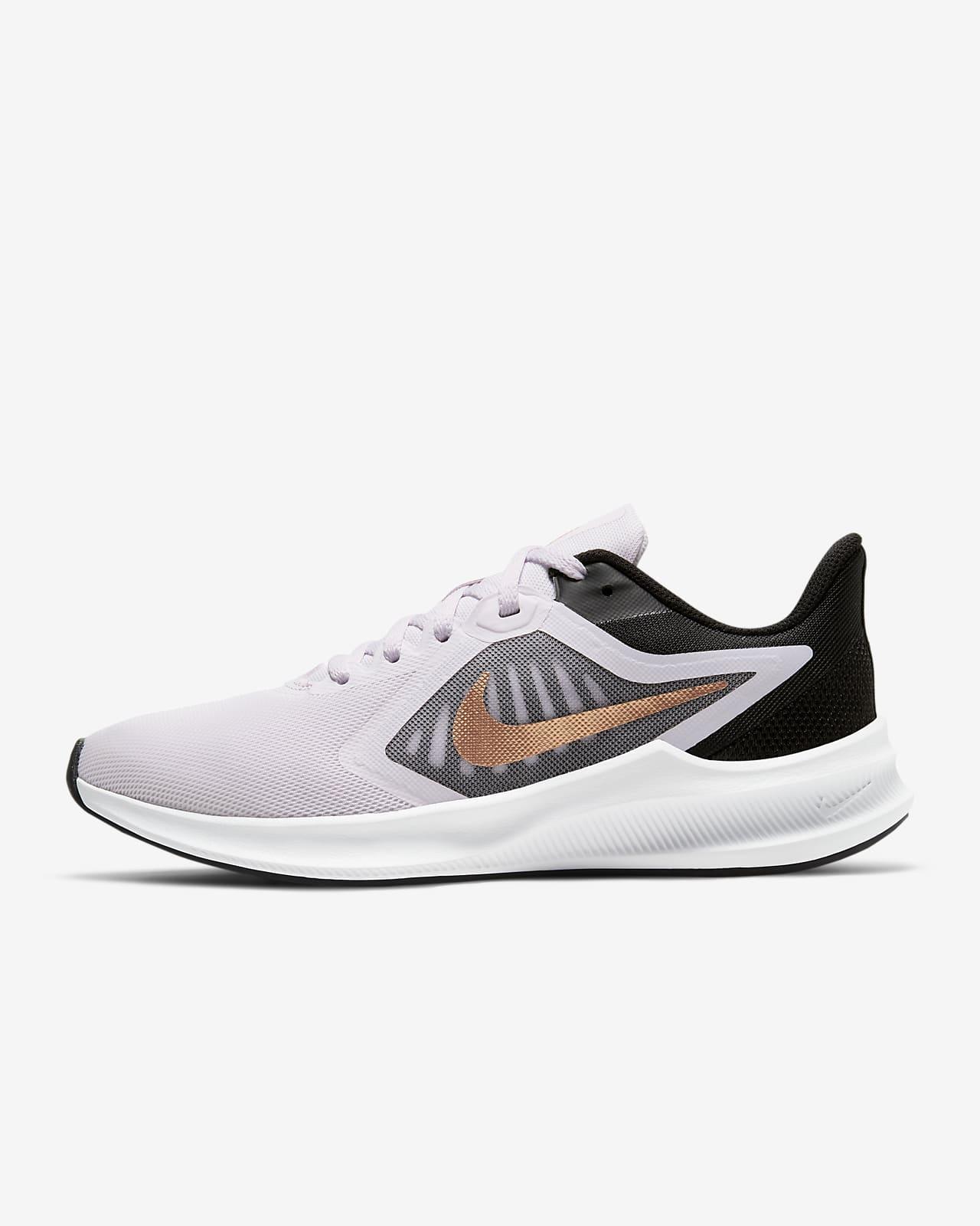 รองเท้าวิ่งผู้หญิง Nike Downshifter 10
