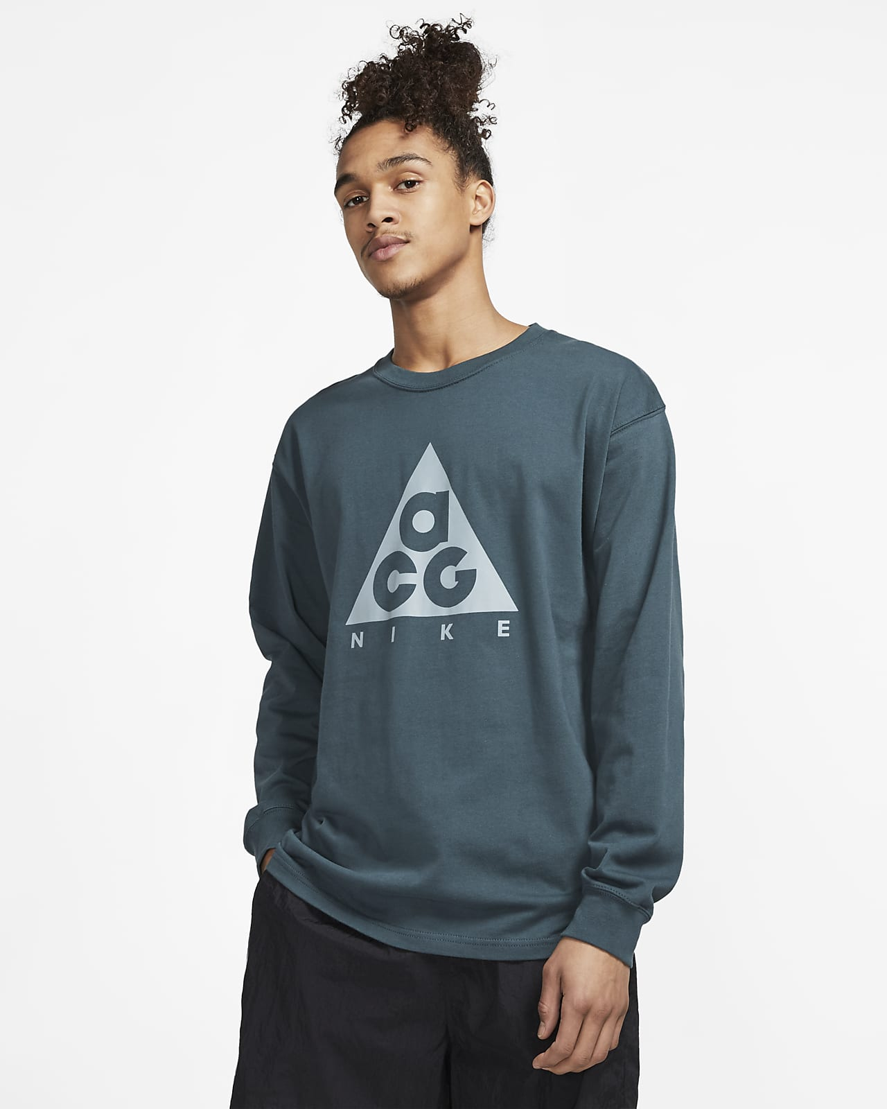 Nike ACG Men's All over Print Crew Sweatshirt. Nike AT