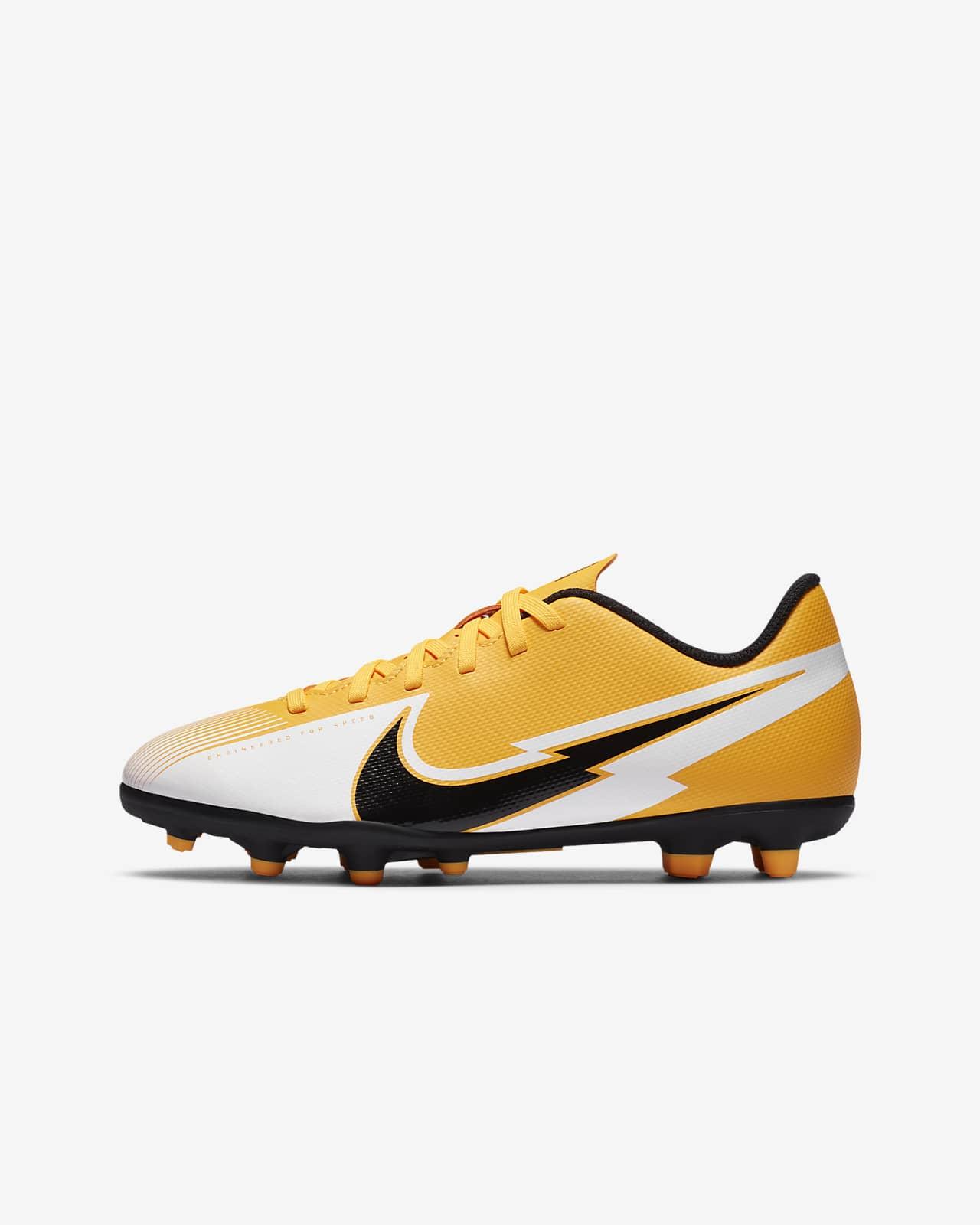 Nike Jr. Mercurial Vapor 13 Club MG-fodboldstøvle til flere typer underlag til små/store børn