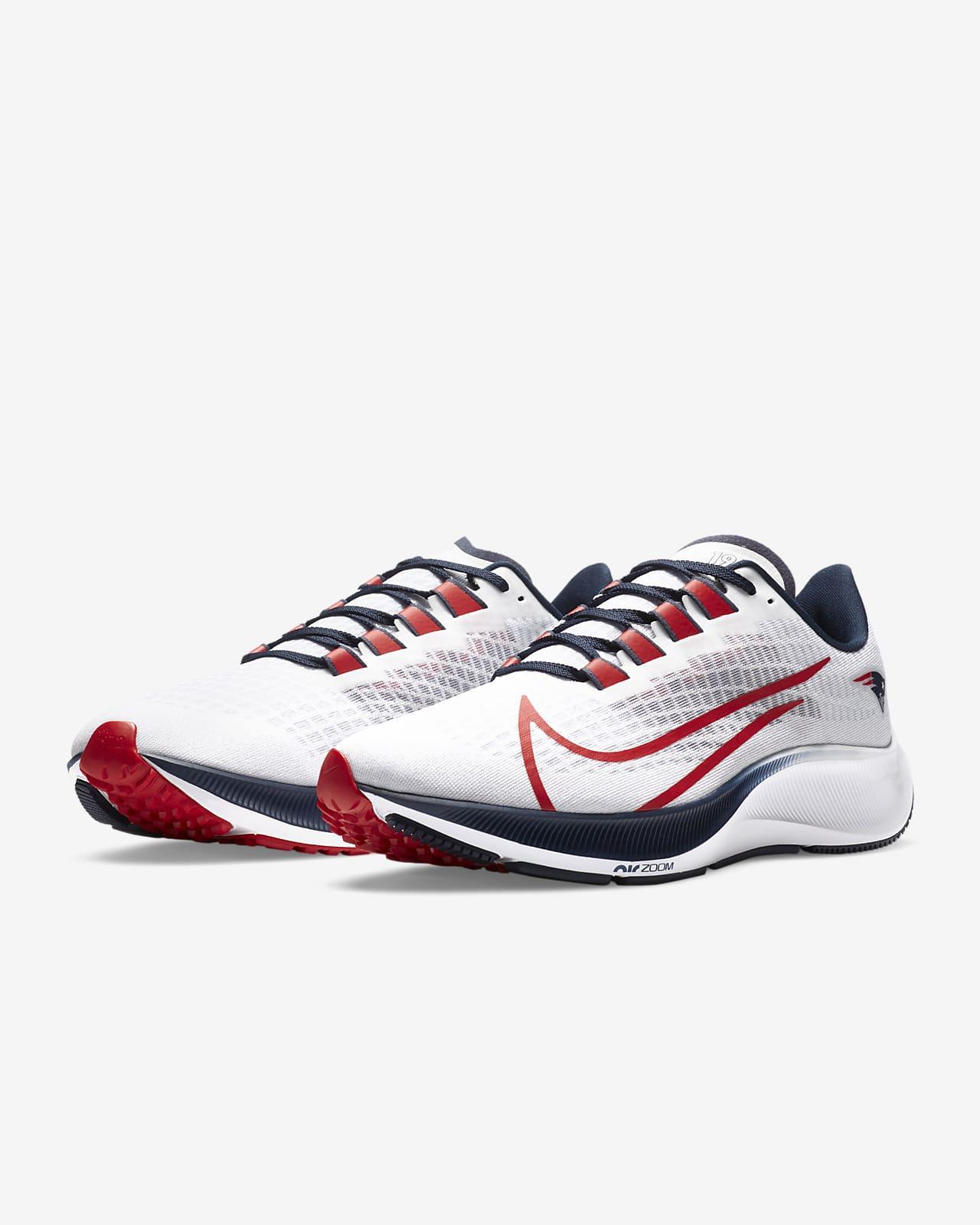 Nike Air Zoom Pegasus 37 (New England Patriots) Running Shoe