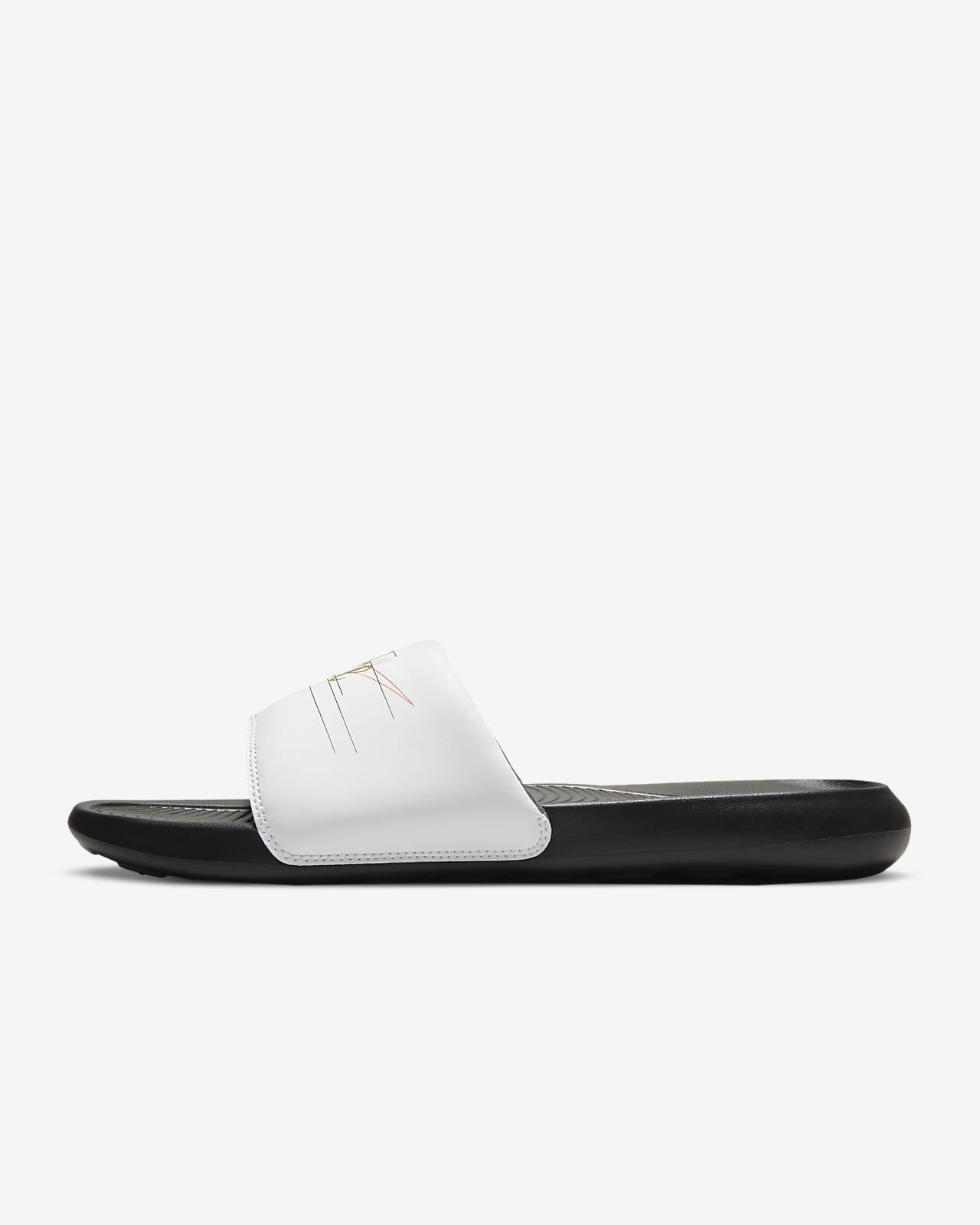 รองเท้าแตะผู้ชายแบบสวมพิมพ์ลาย Nike Victori One