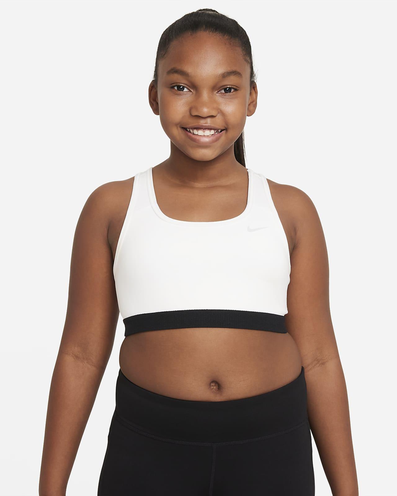 Nike Swoosh sportmelltartó nagyobb gyerekeknek (lányoknak) (kibővített méretkínálat)