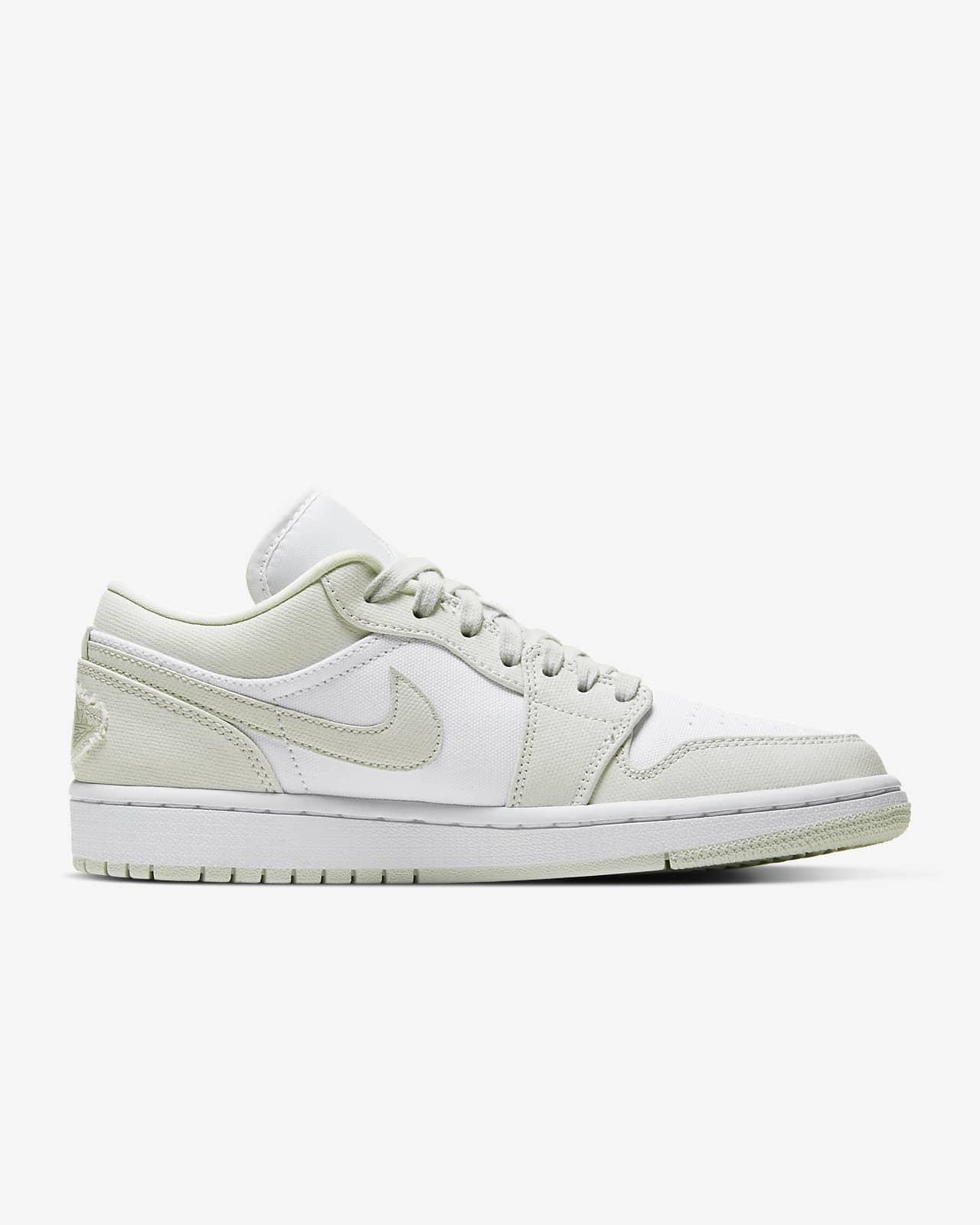 Saqueo conductor domingo  Air Jordan 1 Low Women's Shoe. Nike ID