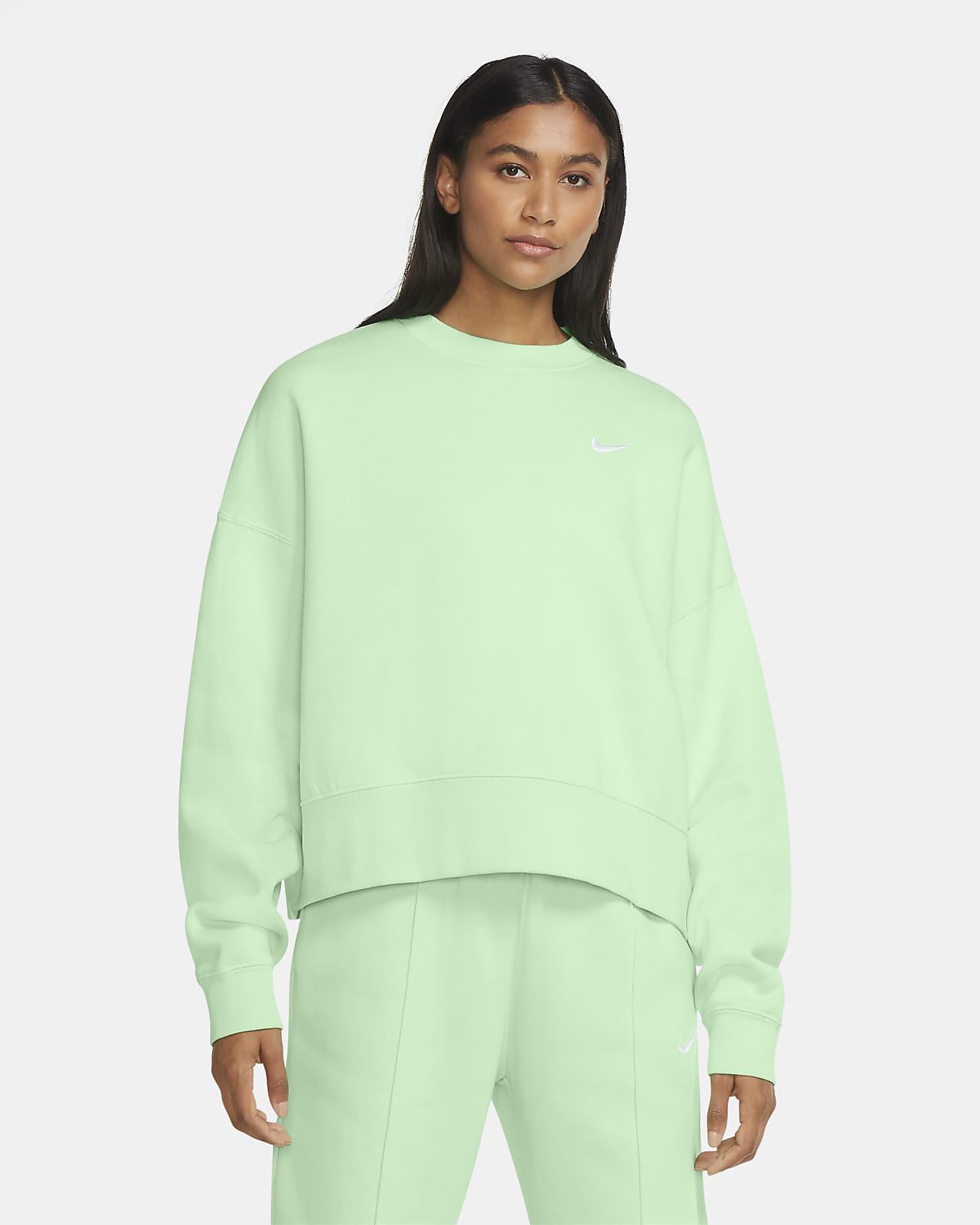 Shop den Nike Essential Fleece Crew Oversized Sweatshirt in