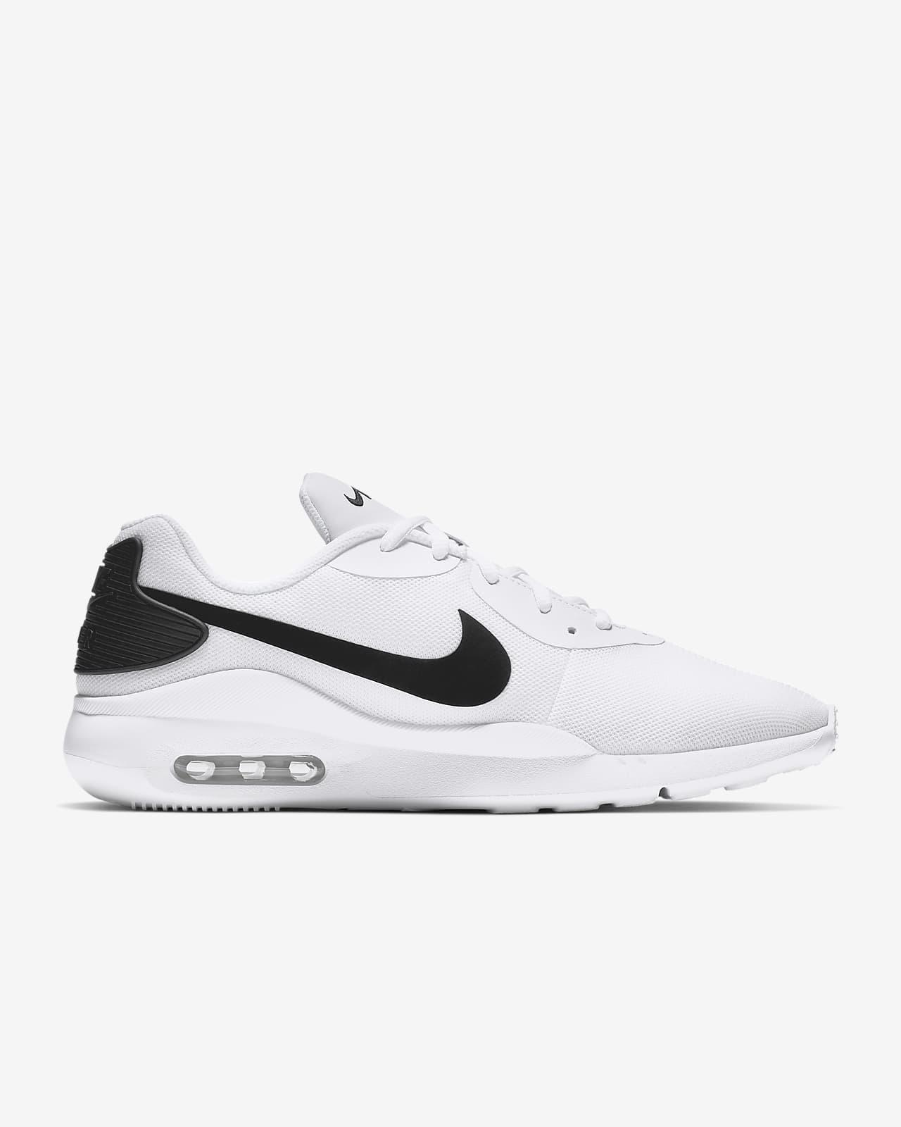 Nike Air Max Oketo Men's Shoe. Nike IE