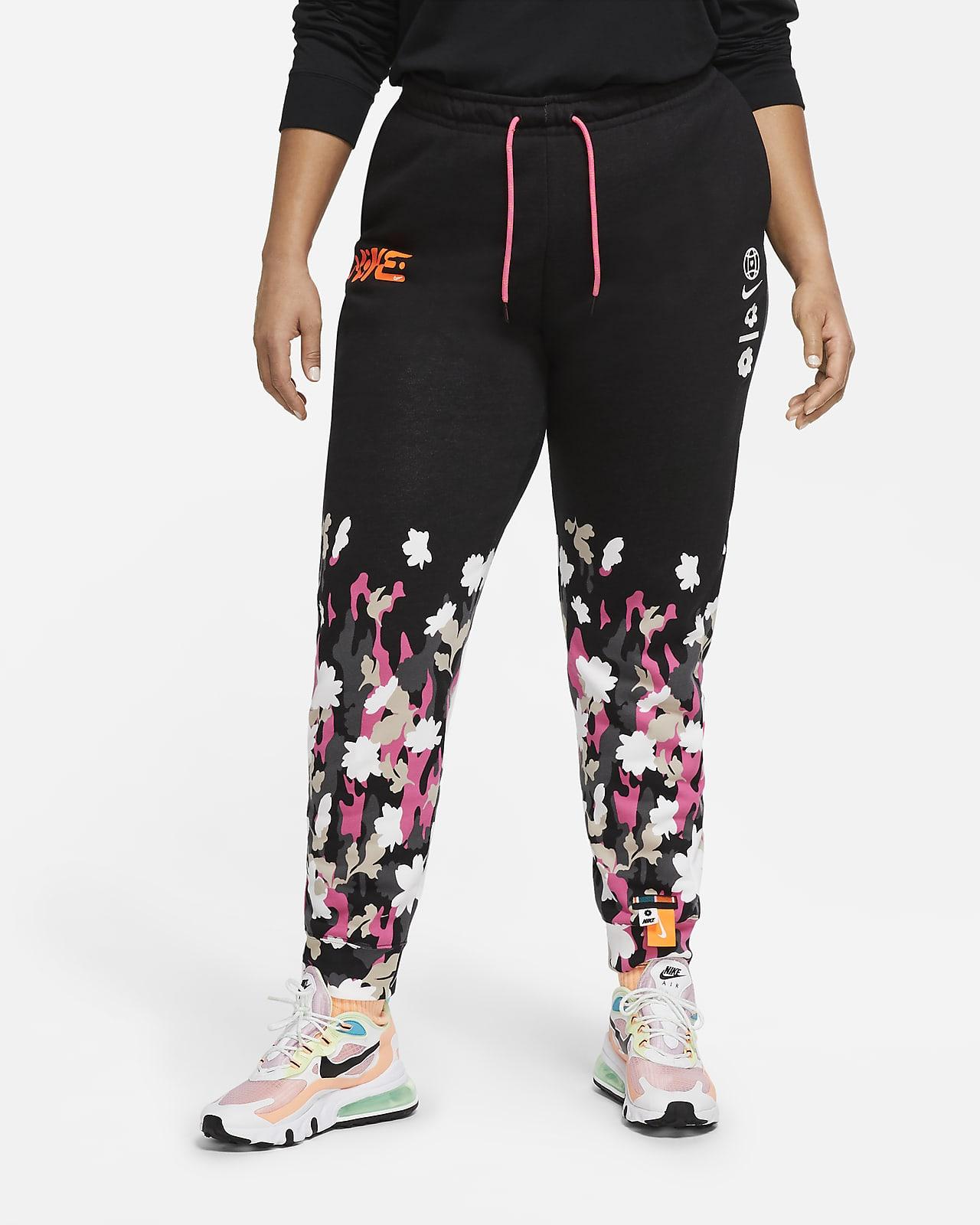 Nike Sportswear Essential Women's Pants (Plus Size)