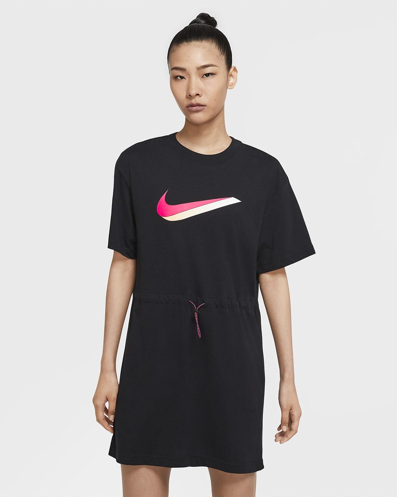 Nike Sportswear Vestit de màniga curta - Dona