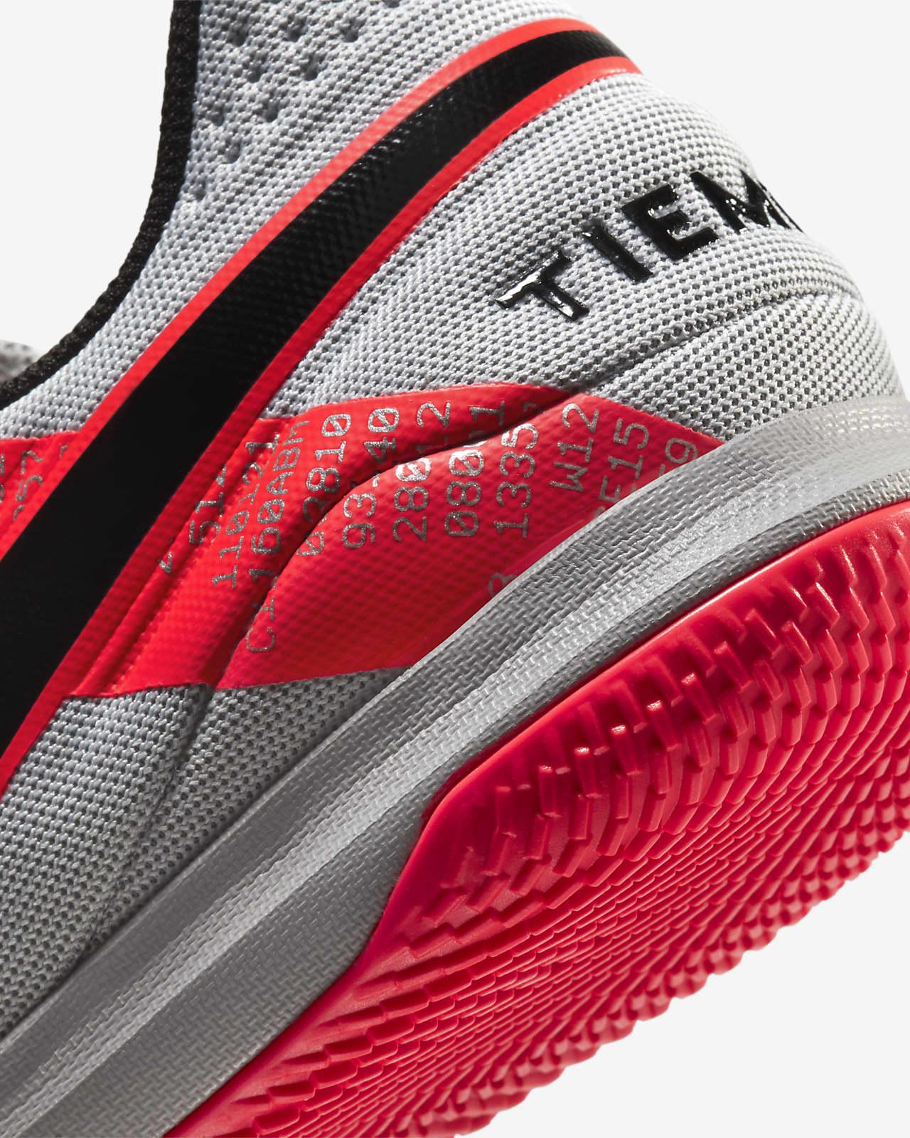 Predicar Interpretación esponja  Calzado de fútbol para cancha cubierta Nike Tiempo Legend 8 Academy IC. Nike  MX