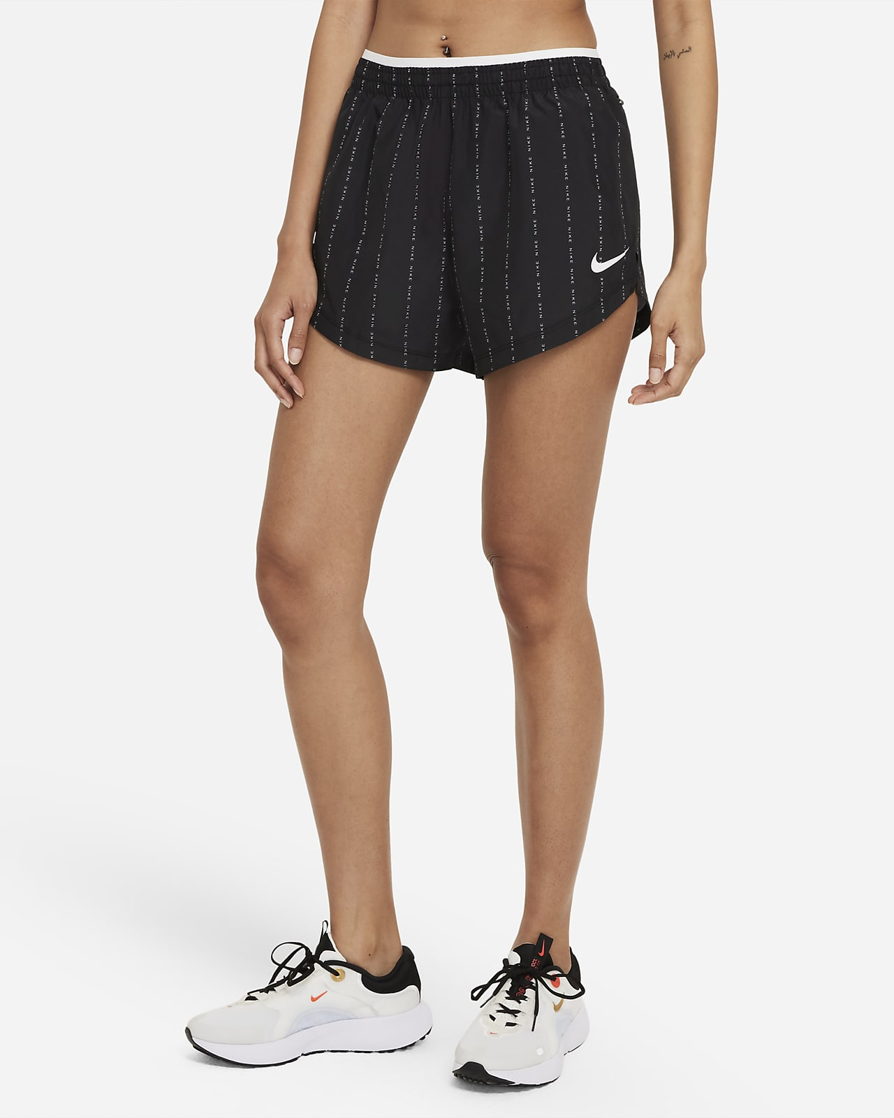 Женские беговые шорты Nike Dri-FIT Tempo Luxe Icon Clash
