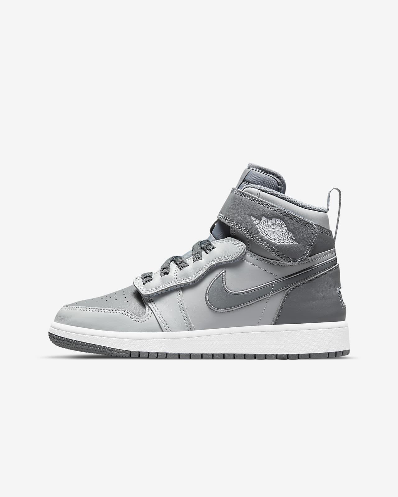Air Jordan 1 Hi FlyEase Older Kids' Shoes. Nike SI