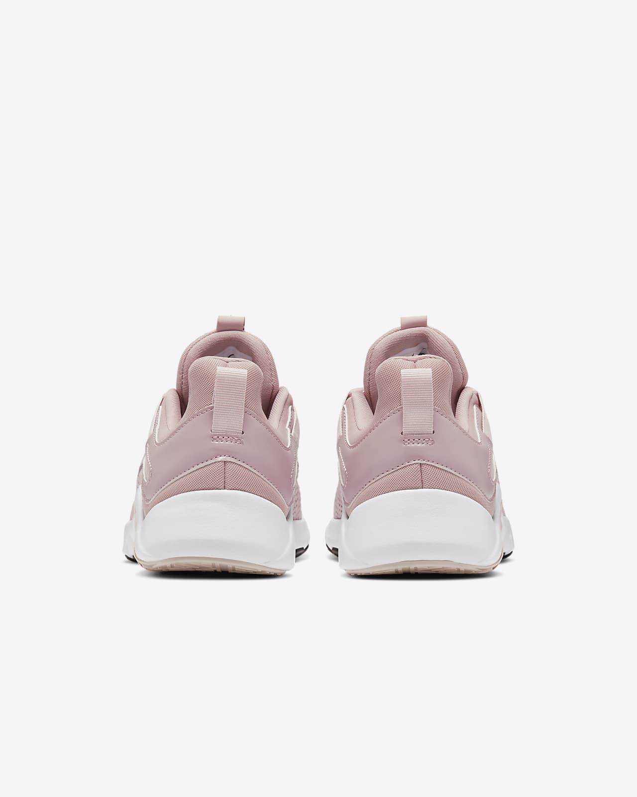 chaussures nike legend essential femme