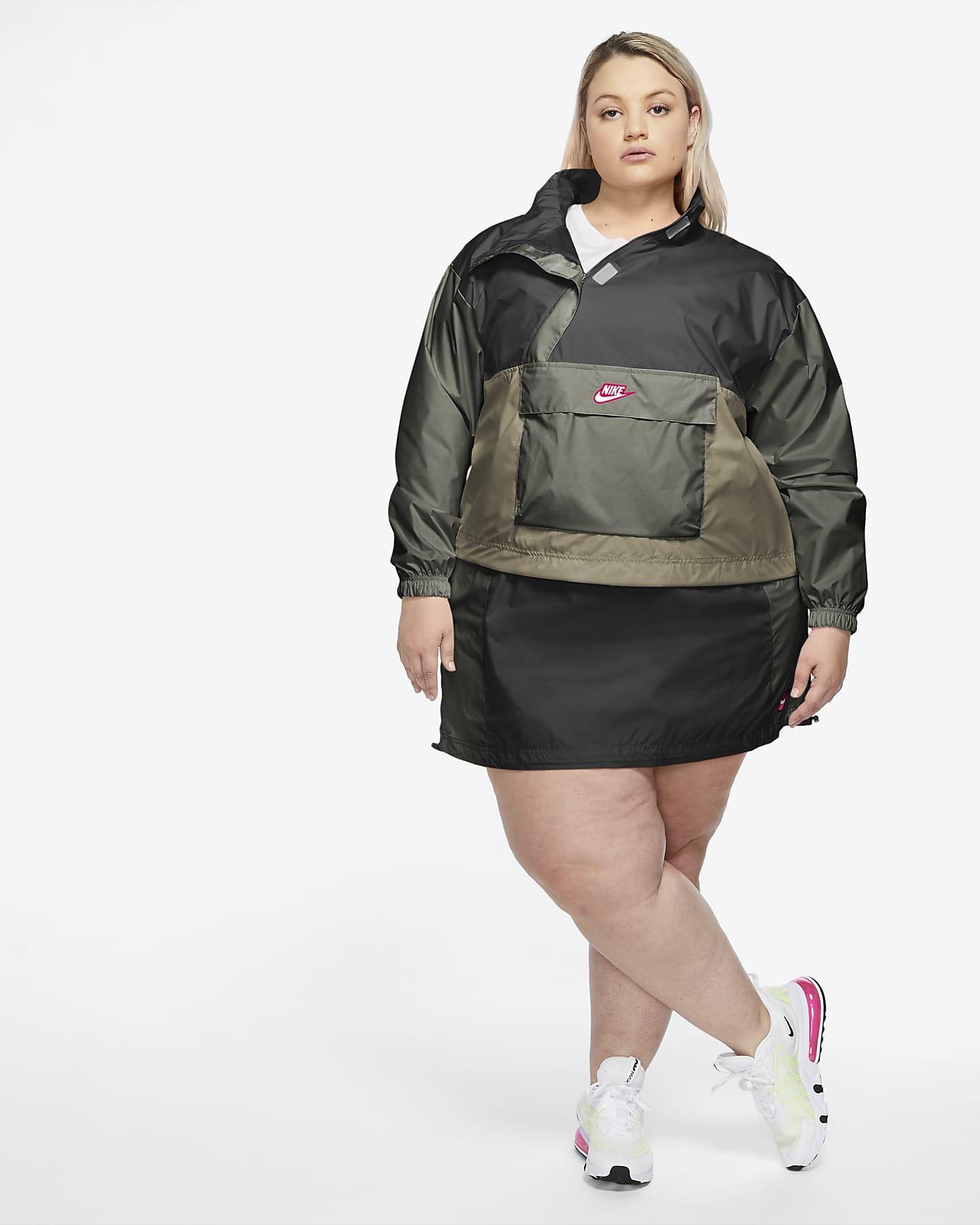 Anorak tissé Nike Sportswear Icon Clash pour Femme (grande taille) mannequin grande taille Nike