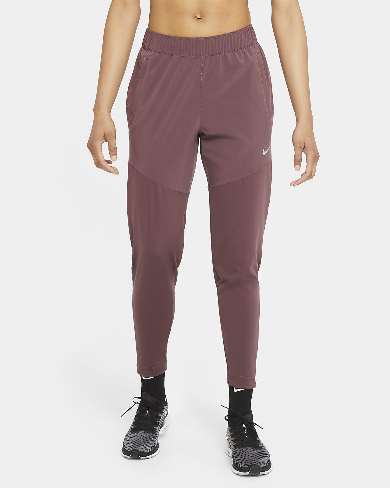 Nike Dri-FIT Essential Kadın Koşu Eşofman Altı